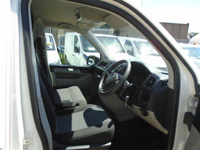 2018 Volkswagen Transporter 2.0 Tdi Bmt 102 Startline Van Euro 6 (GM18KWW) Image 14