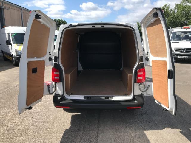 2018 Volkswagen Transporter  T30 LWB 2.0TDI BMT 102PS STARTLINE EURO 6 (GM18KZU) Image 21