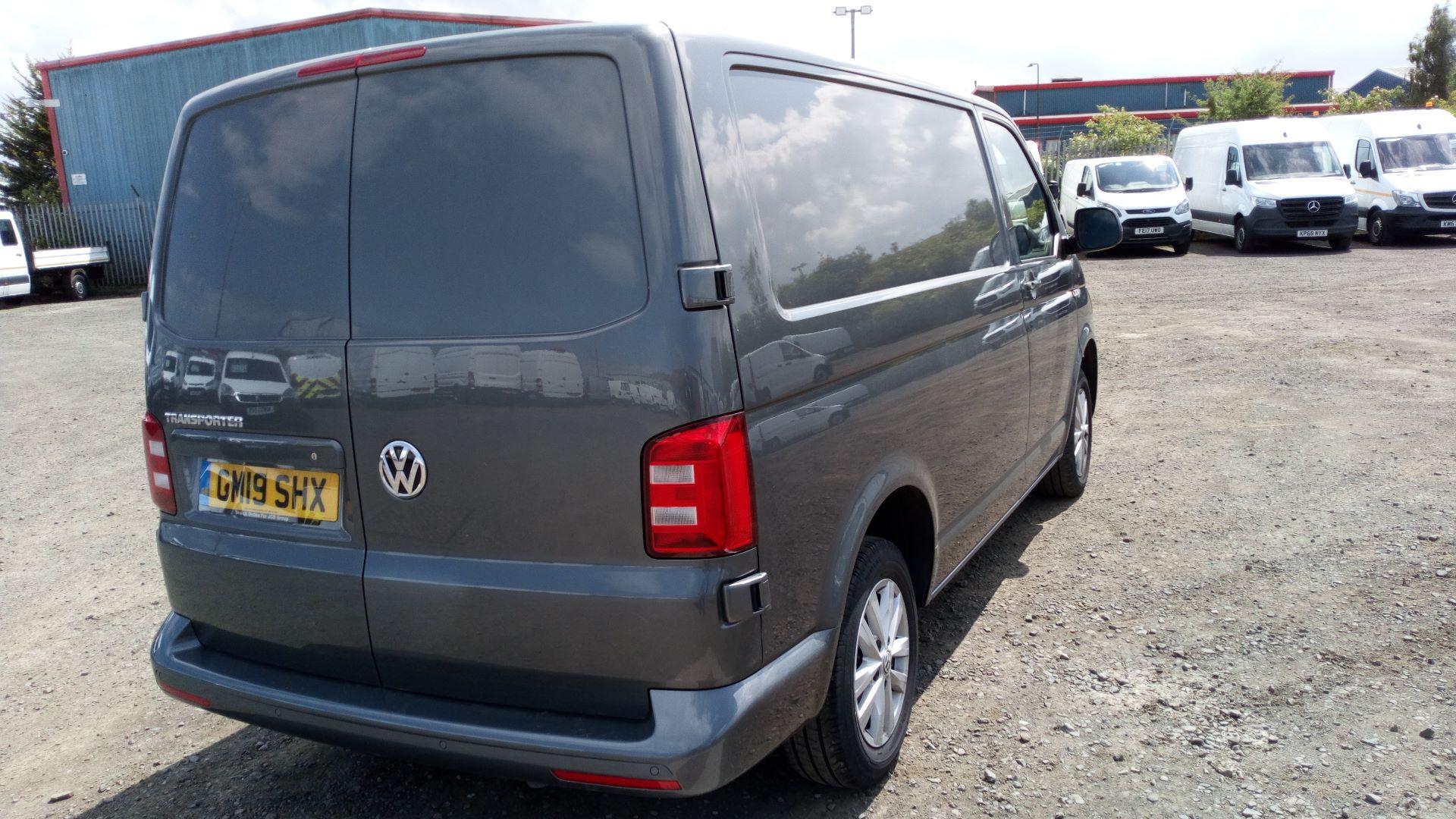 2019 Volkswagen Transporter 2.0 Tdi Bmt 150 Highline Van (GM19SHX) Image 3