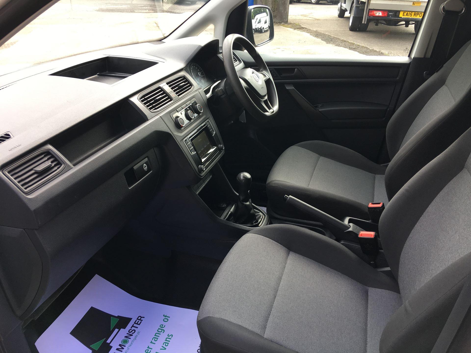 2017 Volkswagen Caddy 2.0 TDI 102PS BMT STARTLINE EURO 6 (GM66FVV) Image 15