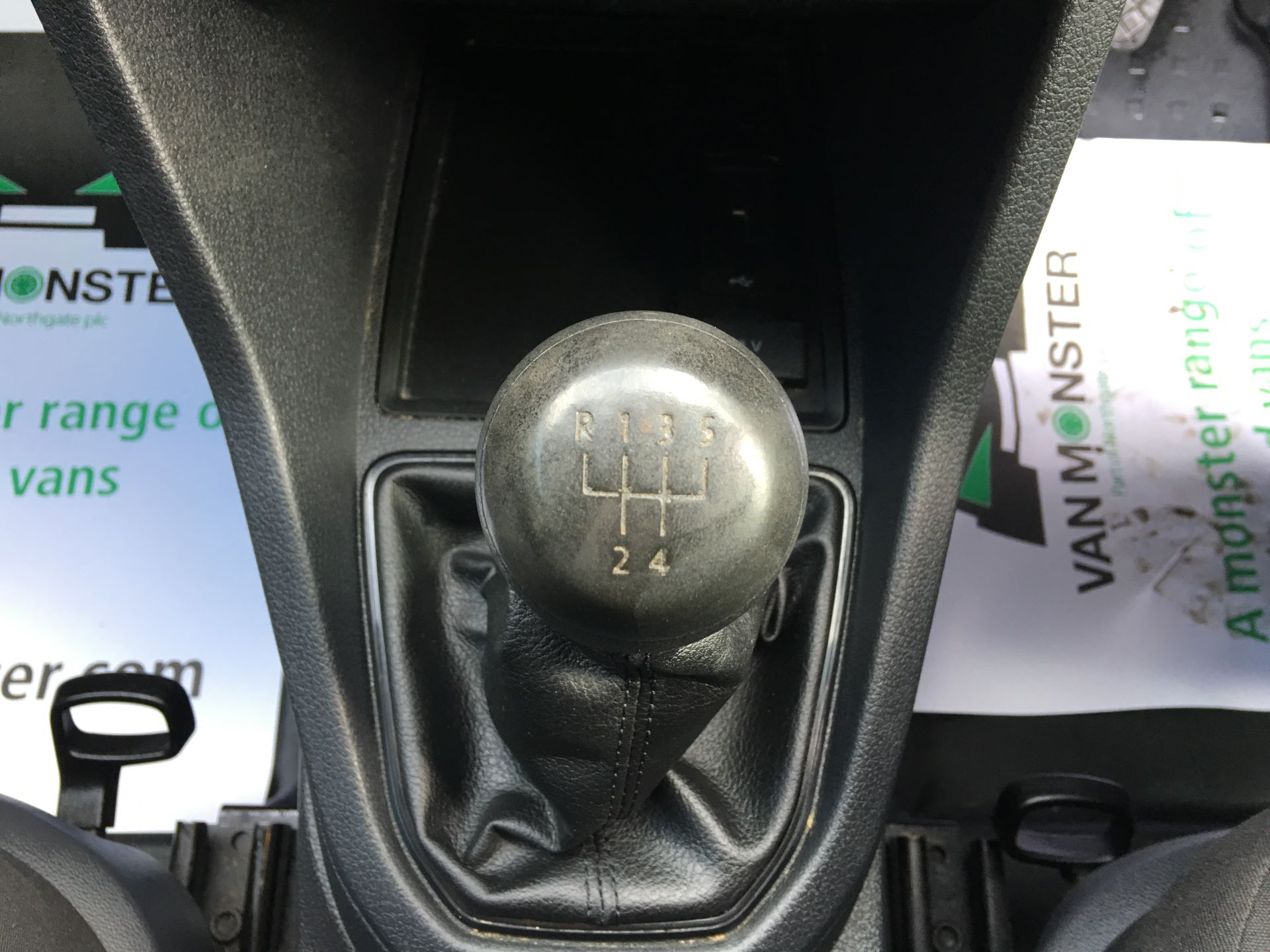 2017 Volkswagen Caddy 2.0 TDI 102PS BMT STARTLINE EURO 6 (GM66FVV) Image 4