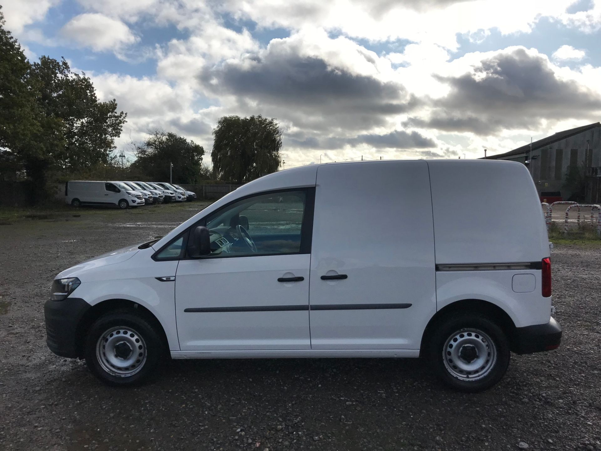 2017 Volkswagen Caddy 2.0 Tdi Bluemotion Tech 102Ps Startline Van (GM66FWU) Image 8