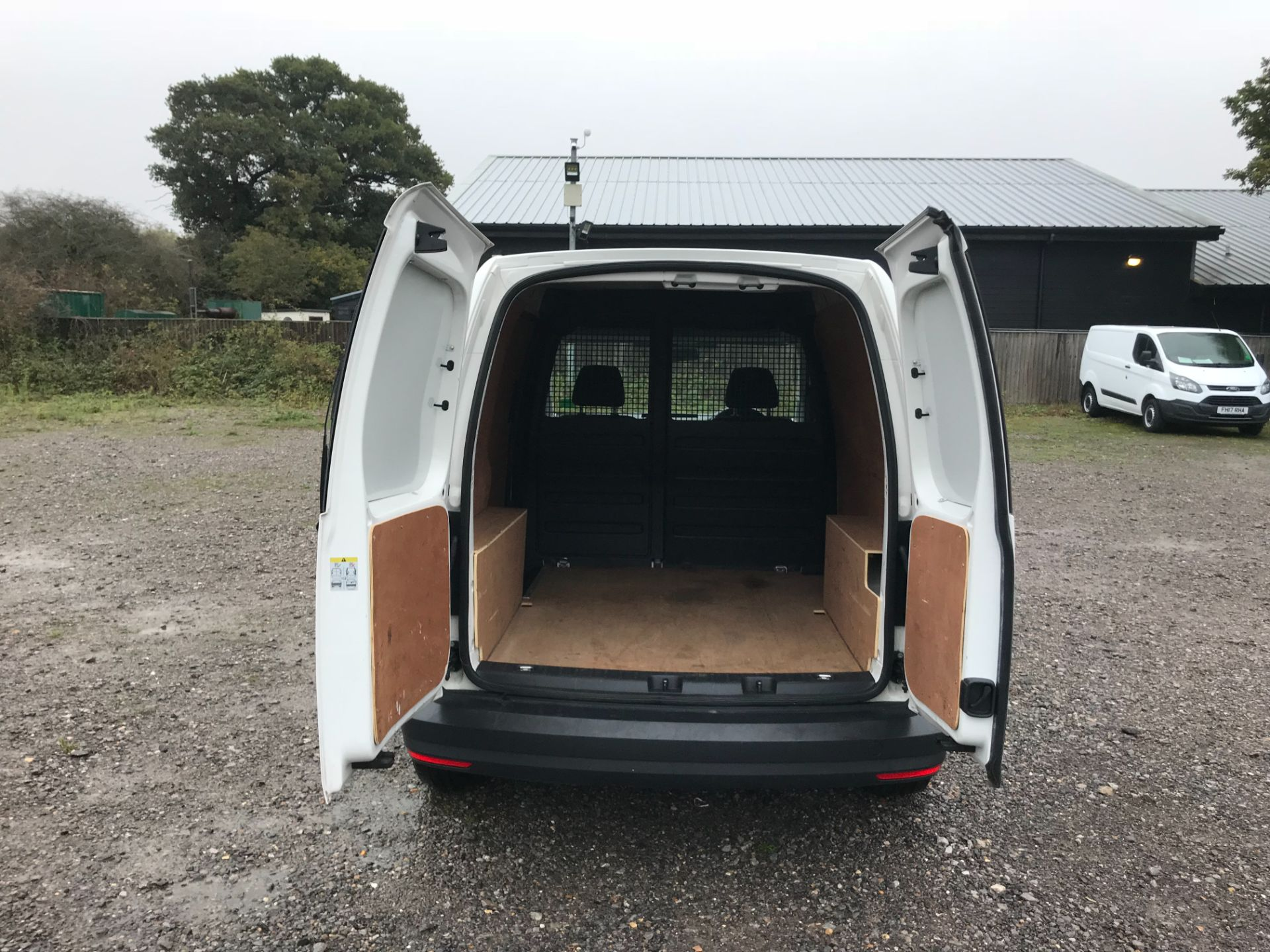 2017 Volkswagen Caddy 2.0 Tdi Bluemotion Tech 102Ps Startline Van (GM66FWZ) Image 11