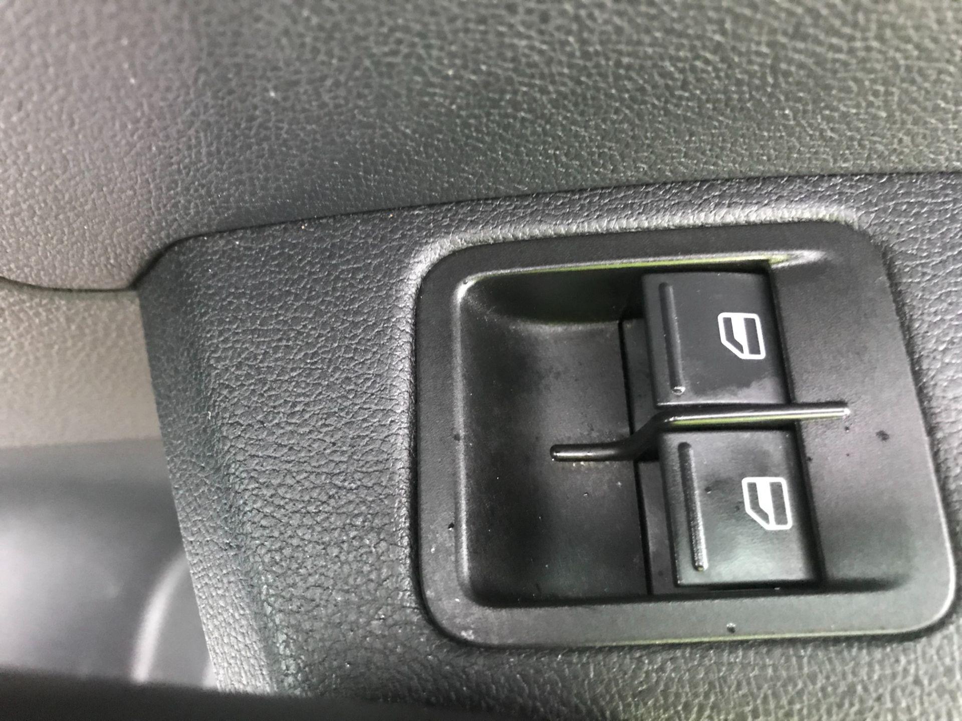 2017 Volkswagen Caddy 2.0 Tdi Bluemotion Tech 102Ps Startline Van (GM66FWZ) Image 19