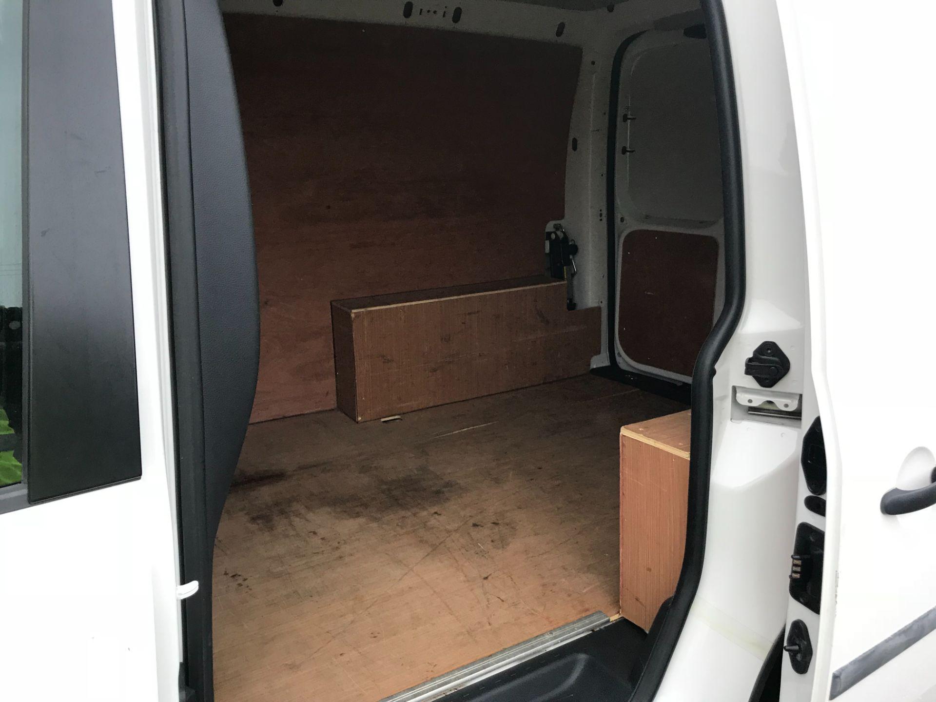 2017 Volkswagen Caddy 2.0 Tdi Bluemotion Tech 102Ps Startline Van (GM66FWZ) Image 10