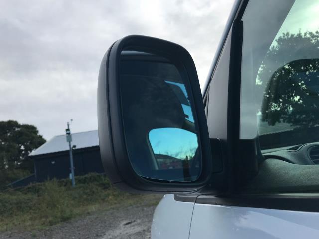 2017 Volkswagen Caddy Maxi 1.6 Tdi 102Ps Startline Van (GM66SJX) Image 16
