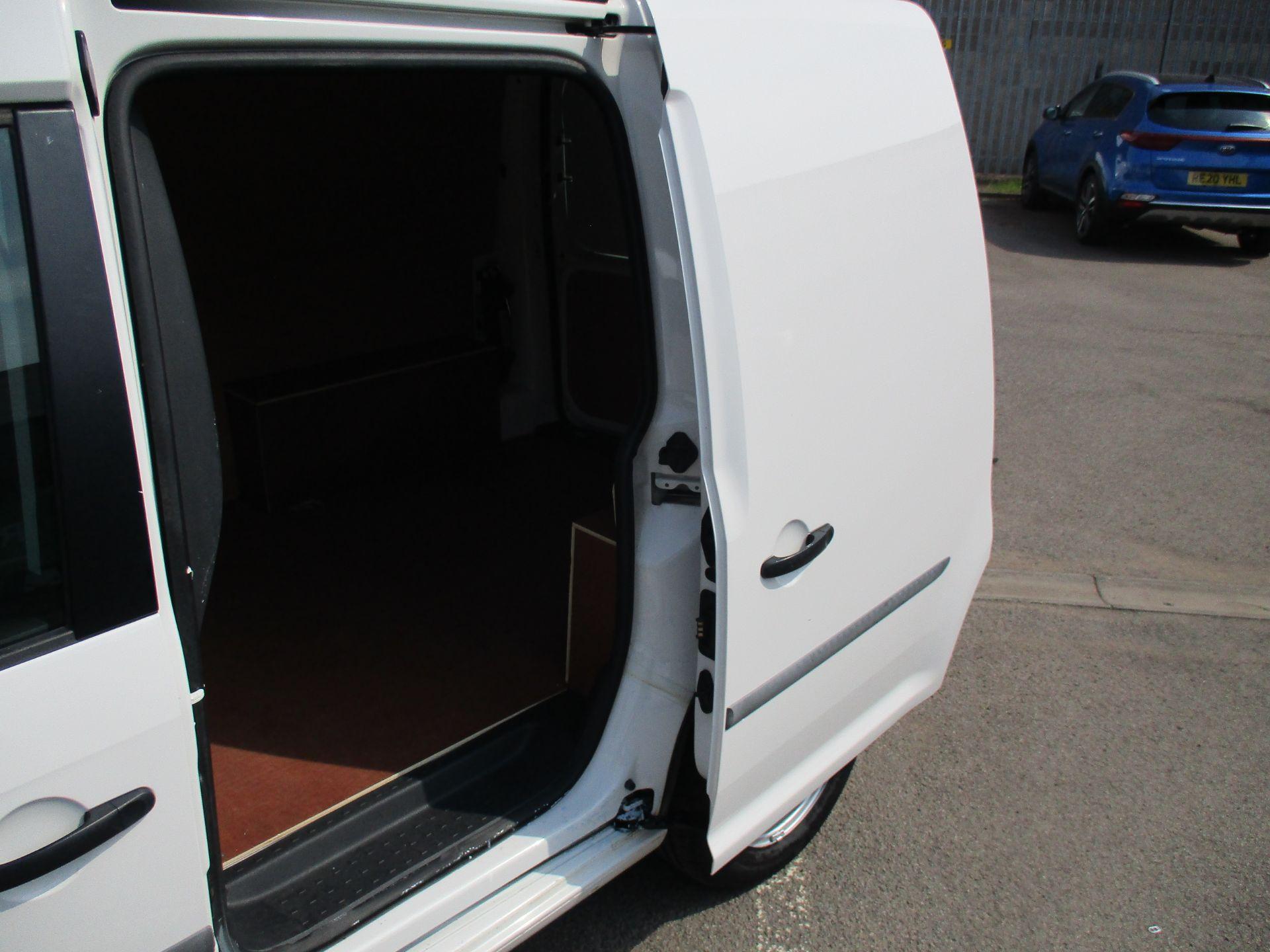 2017 Volkswagen Caddy 2.0 Tdi Bluemotion Tech 102Ps Startline Van (GM66XGG) Image 8