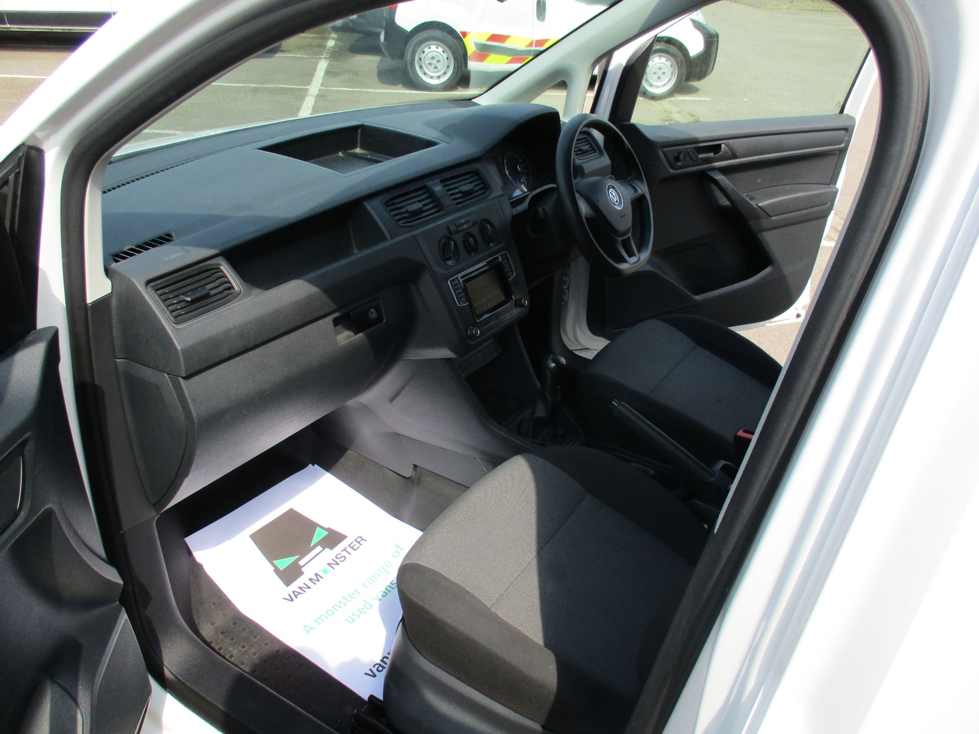 2017 Volkswagen Caddy 2.0 Tdi Bluemotion Tech 102Ps Startline Van (GM66XGG) Image 16