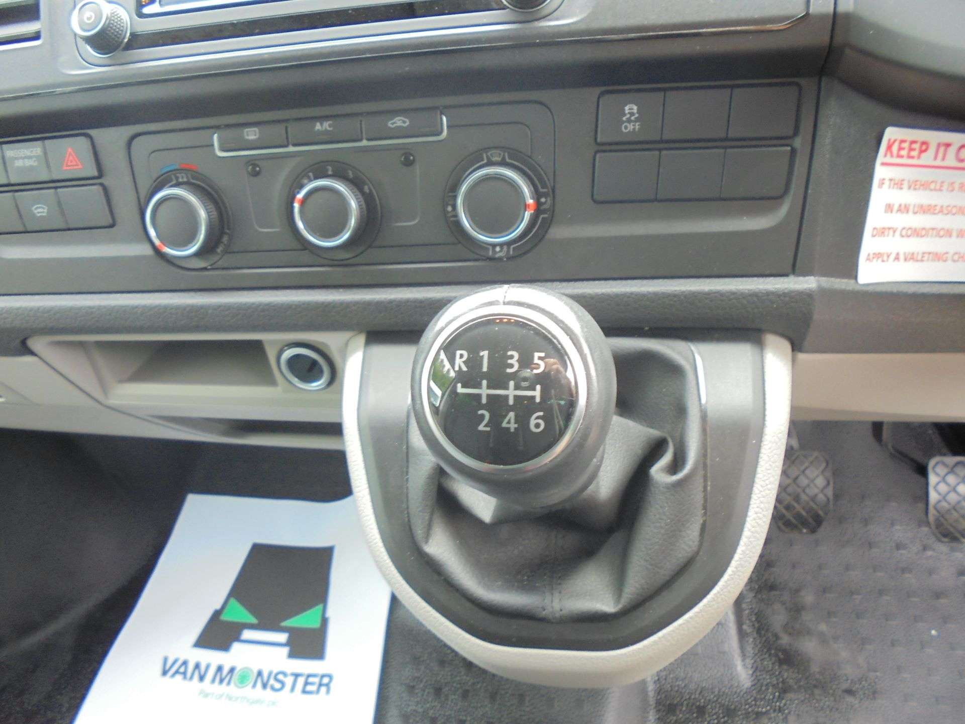 2019 Volkswagen Transporter T32 T6 SWB 2.0TDI BMT 150PS KOMBI HIGHLINE EURO 6 (GP19LZH) Image 8