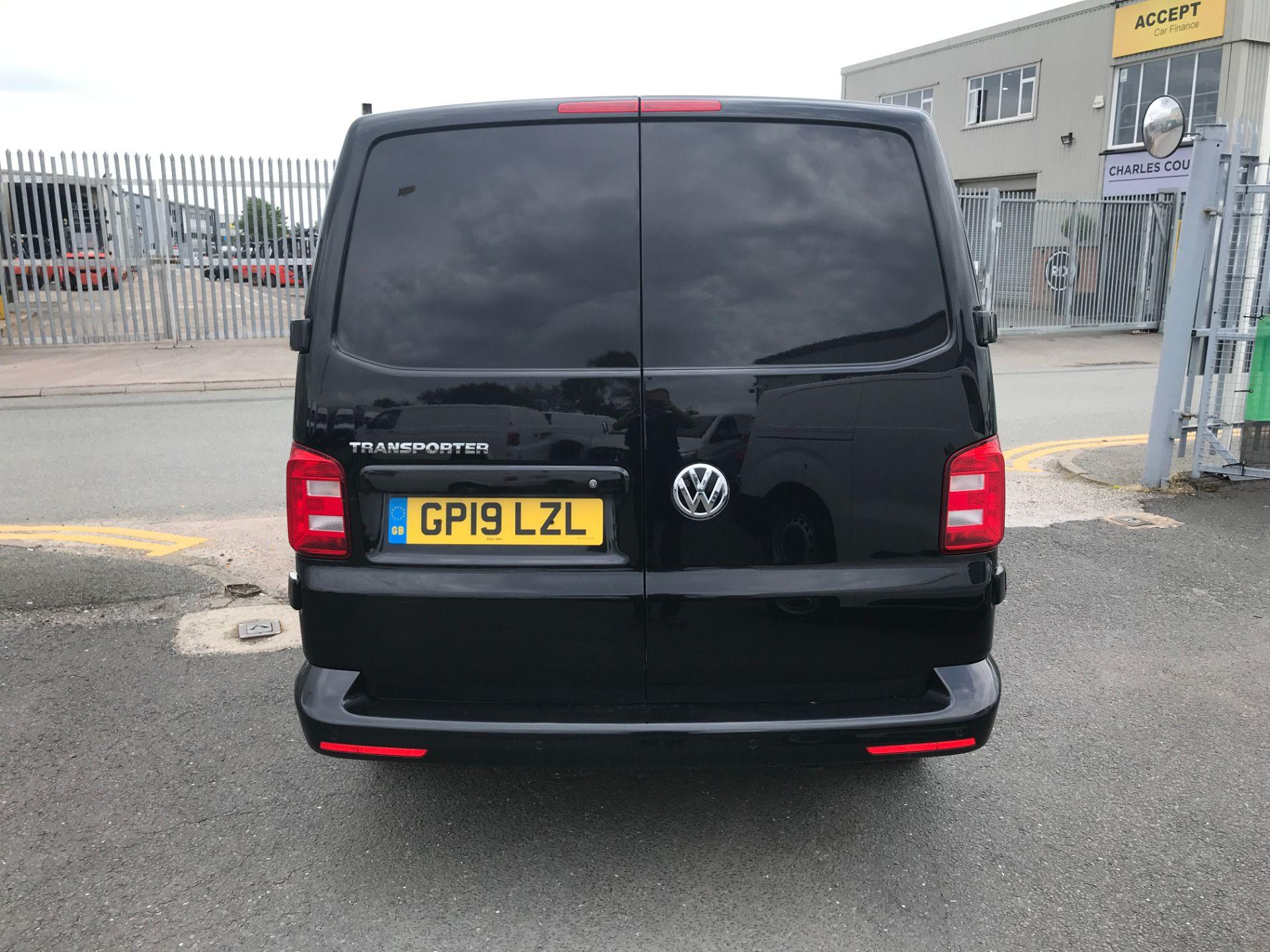 2019 Volkswagen Transporter T28 T6 SWB 2.0TDI BMT 150PS HIGHLINE EURO 6 (GP19LZL) Image 8