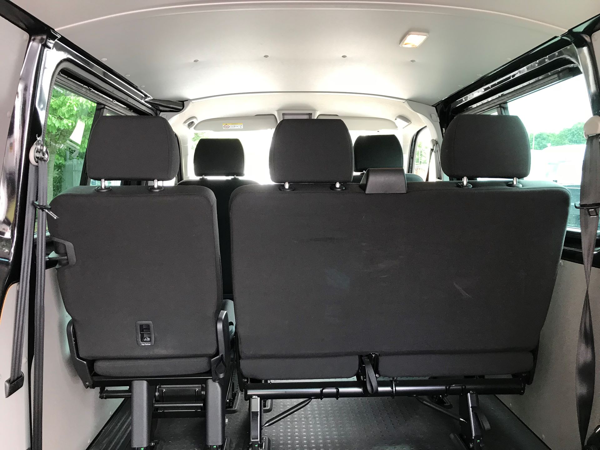 2018 Volkswagen Transporter 2.0 Tdi Bmt 150 Highline Kombi Van Dsg euro 6 (GU18FHR) Image 11