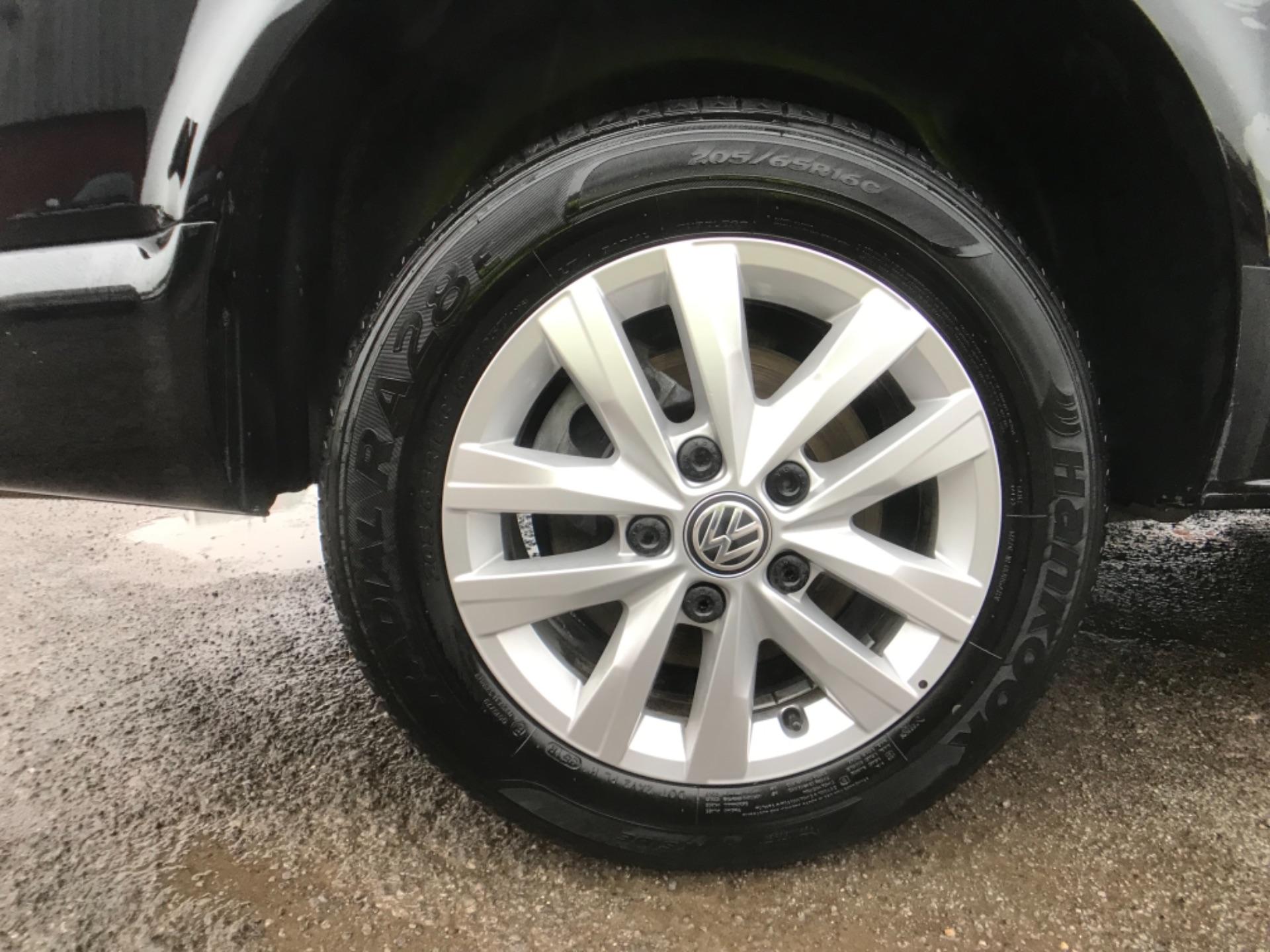 2018 Volkswagen Transporter 2.0 Tdi Bmt 150 Highline Van (GU68WCJ) Image 24