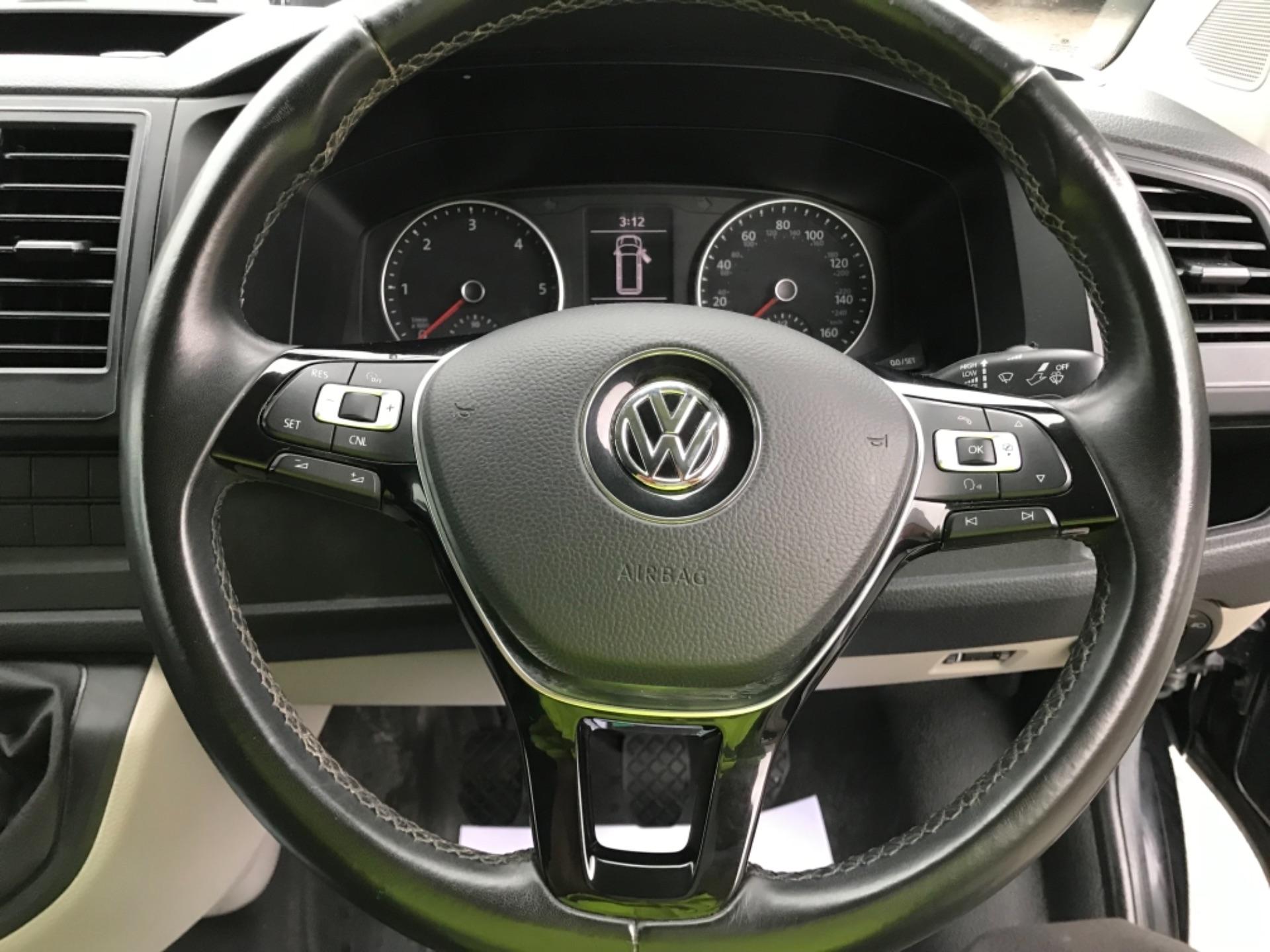 2018 Volkswagen Transporter 2.0 Tdi Bmt 150 Highline Van (GU68WCJ) Image 15