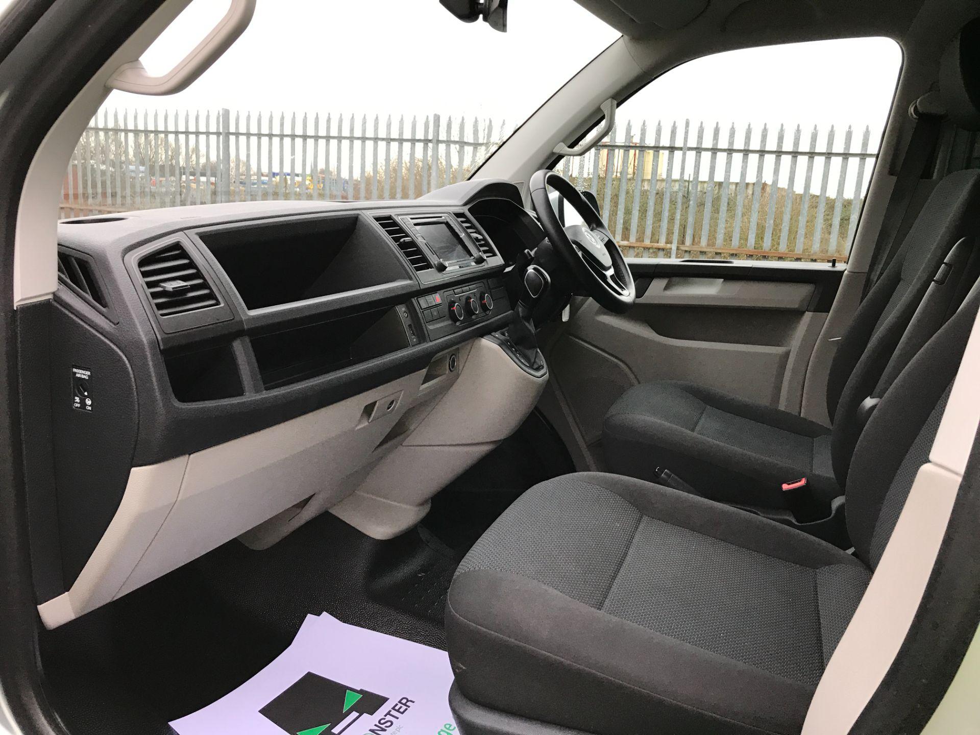 2019 Volkswagen Transporter T32 T6 SWB 2.0TDI BMT 150PS HIGHLINE KOMBI DSG EURO 6 (GX69ZRR) Image 12
