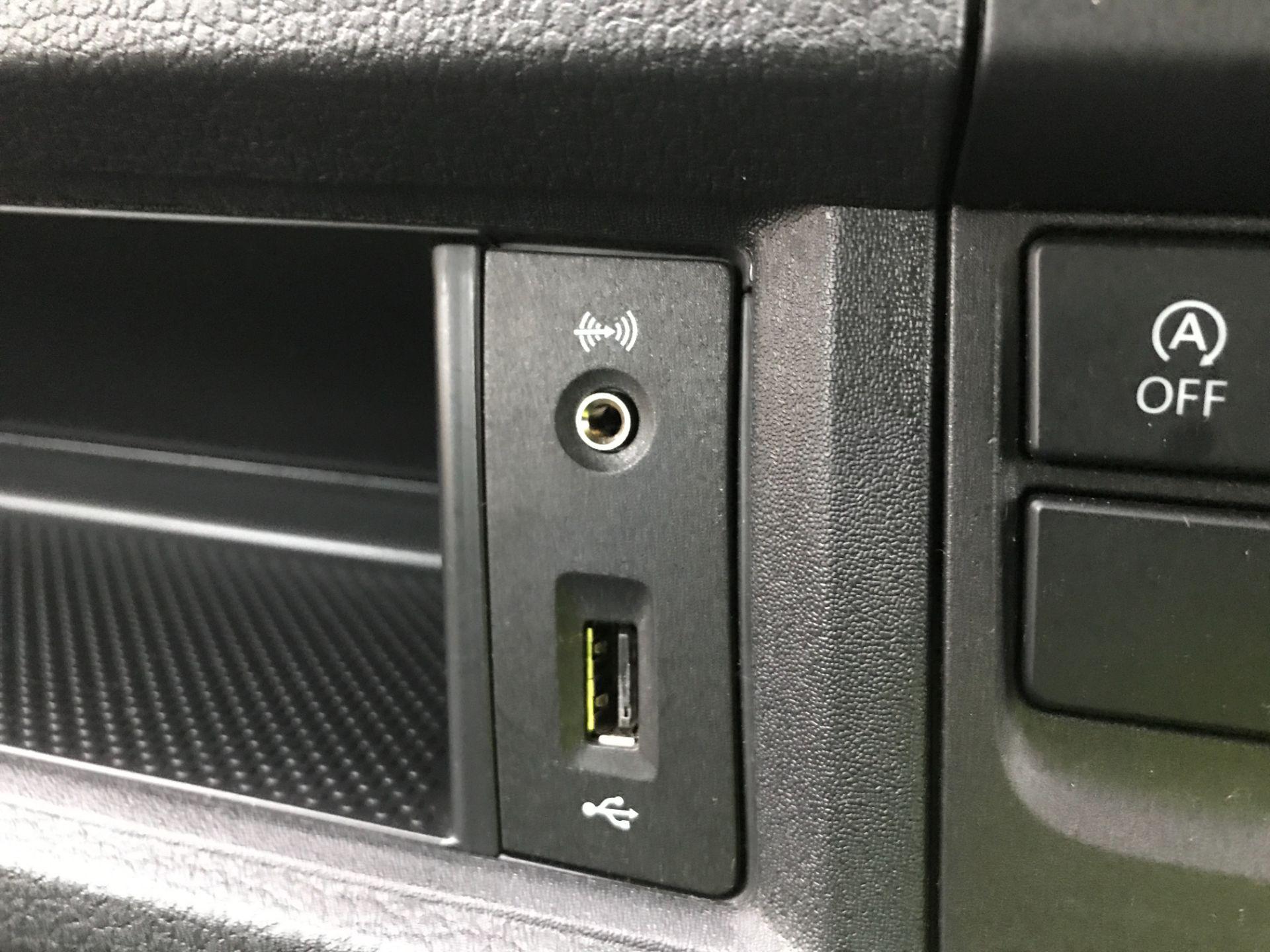 2019 Volkswagen Transporter T32 T6 SWB 2.0TDI BMT 150PS HIGHLINE KOMBI DSG EURO 6 (GX69ZRR) Image 25
