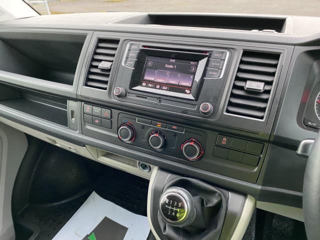 2019 Volkswagen Transporter 2.0 Tdi Bmt 150 Highline Van (GX69ZSK) Image 16