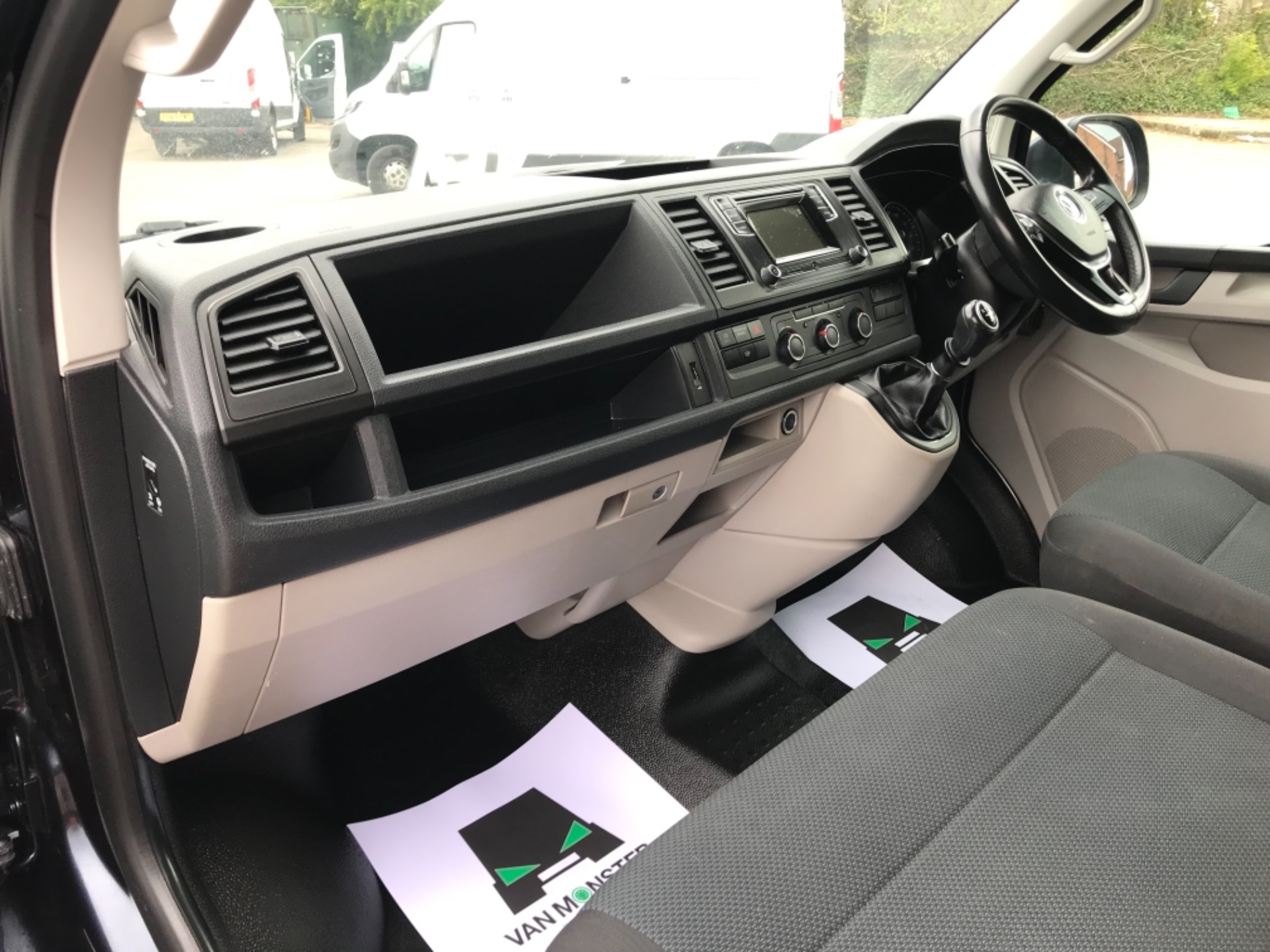 2019 Volkswagen Transporter 2.0 Tdi Bmt 150 Highline Van EURO 6 (GX69ZSN) Image 26