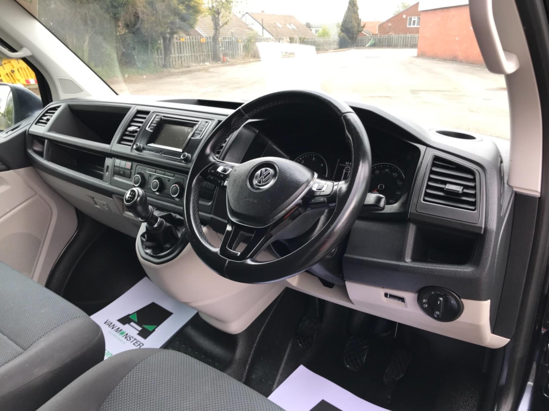 2019 Volkswagen Transporter 2.0 Tdi Bmt 150 Highline Van EURO 6 (GX69ZSN) Image 11