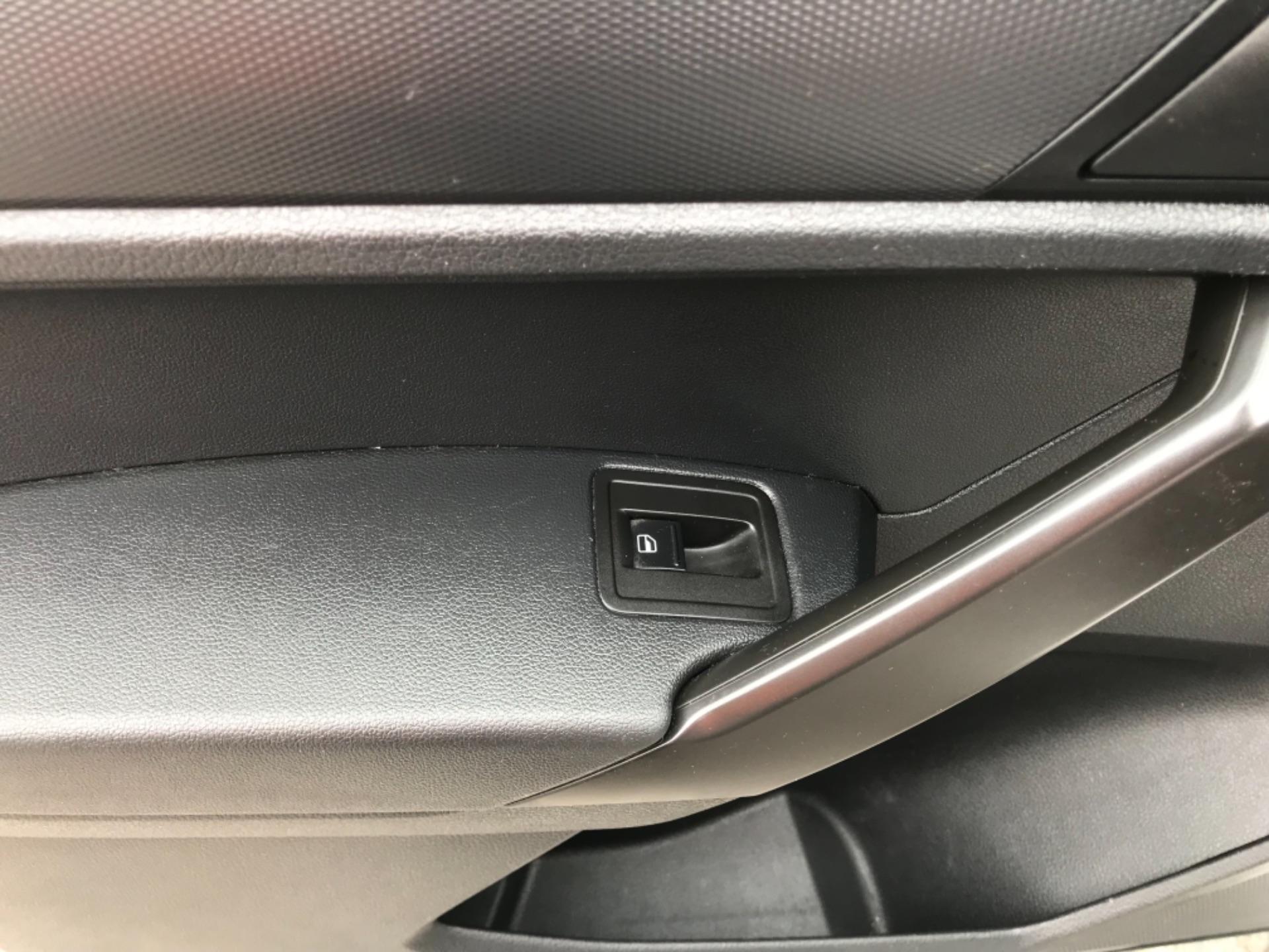 2016 Volkswagen Caddy 2.0 Tdi Bluemotion Tech 102Ps Startline Van (GJ66ESV) Image 28
