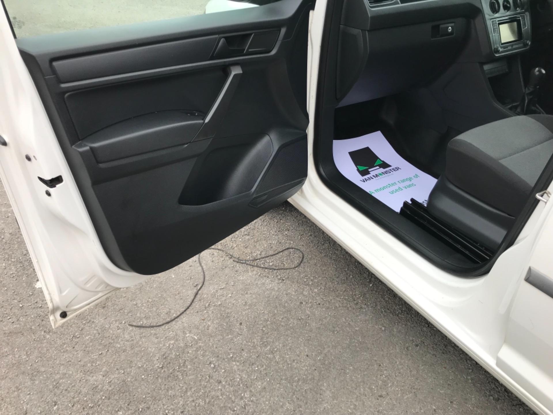 2016 Volkswagen Caddy 2.0 Tdi Bluemotion Tech 102Ps Startline Van (GJ66ESV) Image 27