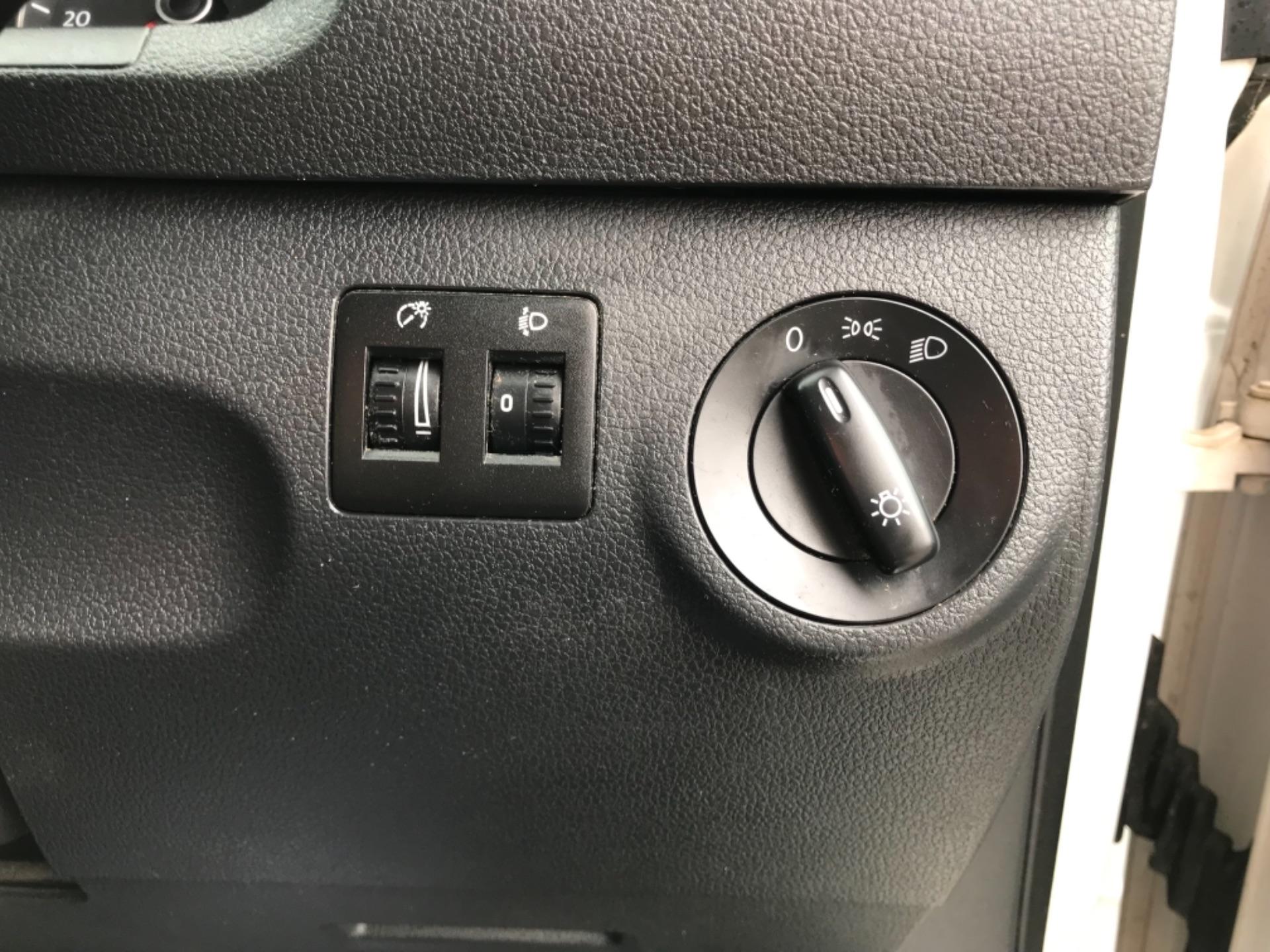 2016 Volkswagen Caddy 2.0 Tdi Bluemotion Tech 102Ps Startline Van (GJ66ESV) Image 19