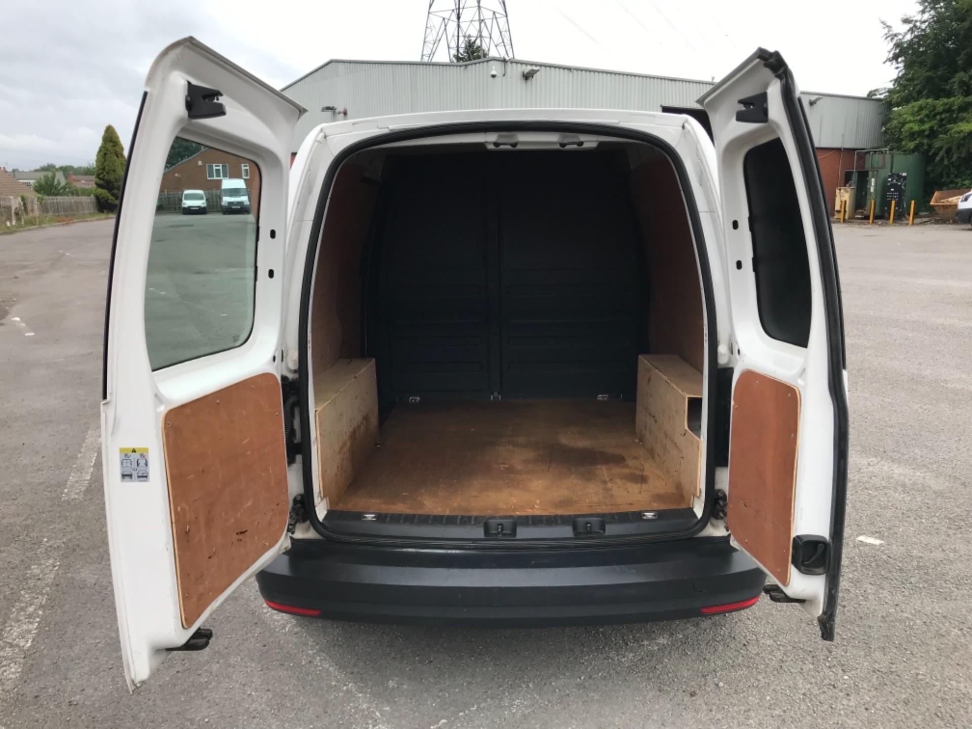 2016 Volkswagen Caddy 2.0 Tdi Bluemotion Tech 102Ps Startline Van (GJ66ESV) Image 32