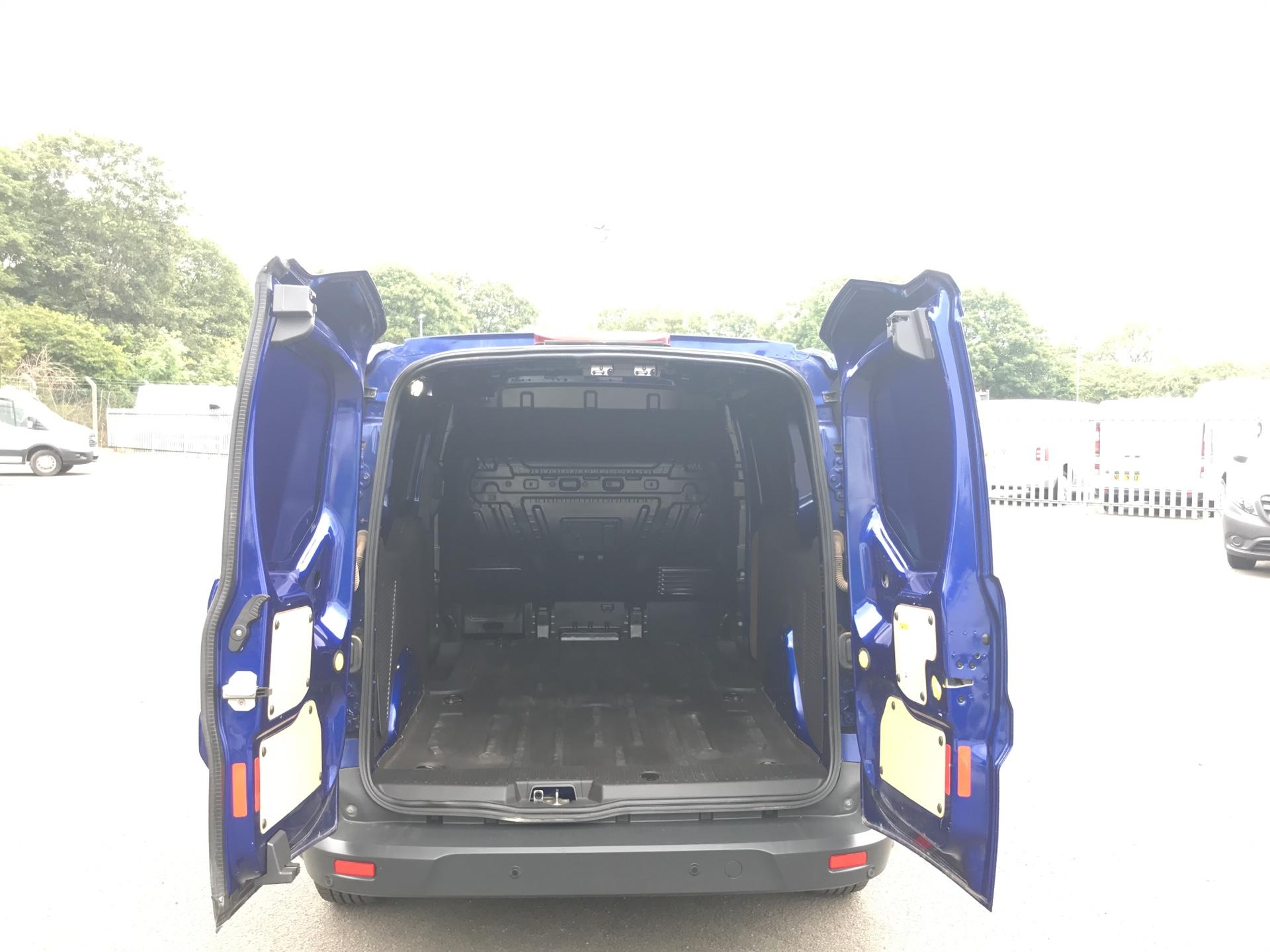 2017 Ford Transit Connect 1.5 TDCI 120PS LIMITED VAN EURO 6 (HF67XAE) Image 17