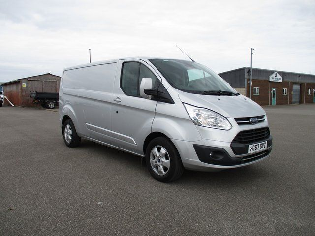 2017 Ford Transit Custom 290 L2 DIESEL FWD 2.0 TDCI 130PS LOW ROOF VAN EURO 6 (HG67GVZ)