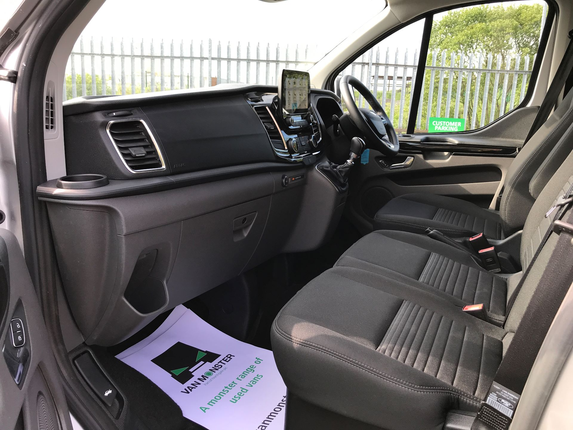 2018 Ford Transit Custom 320 L1 2.0TDCI 130PS LOW ROOF DOUBLE CAB LIMITED EURO 6 (HG68MPZ) Image 11
