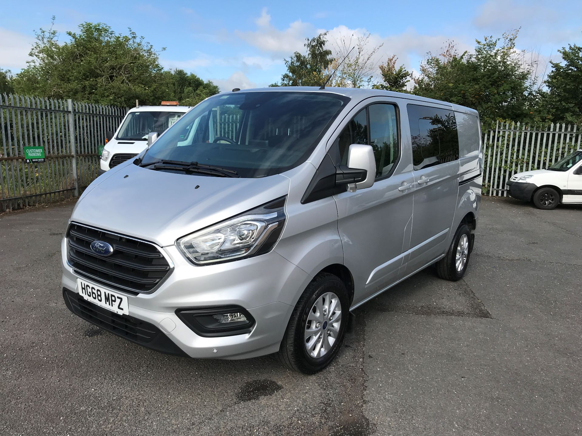 2018 Ford Transit Custom 320 L1 2.0TDCI 130PS LOW ROOF DOUBLE CAB LIMITED EURO 6 (HG68MPZ) Image 12