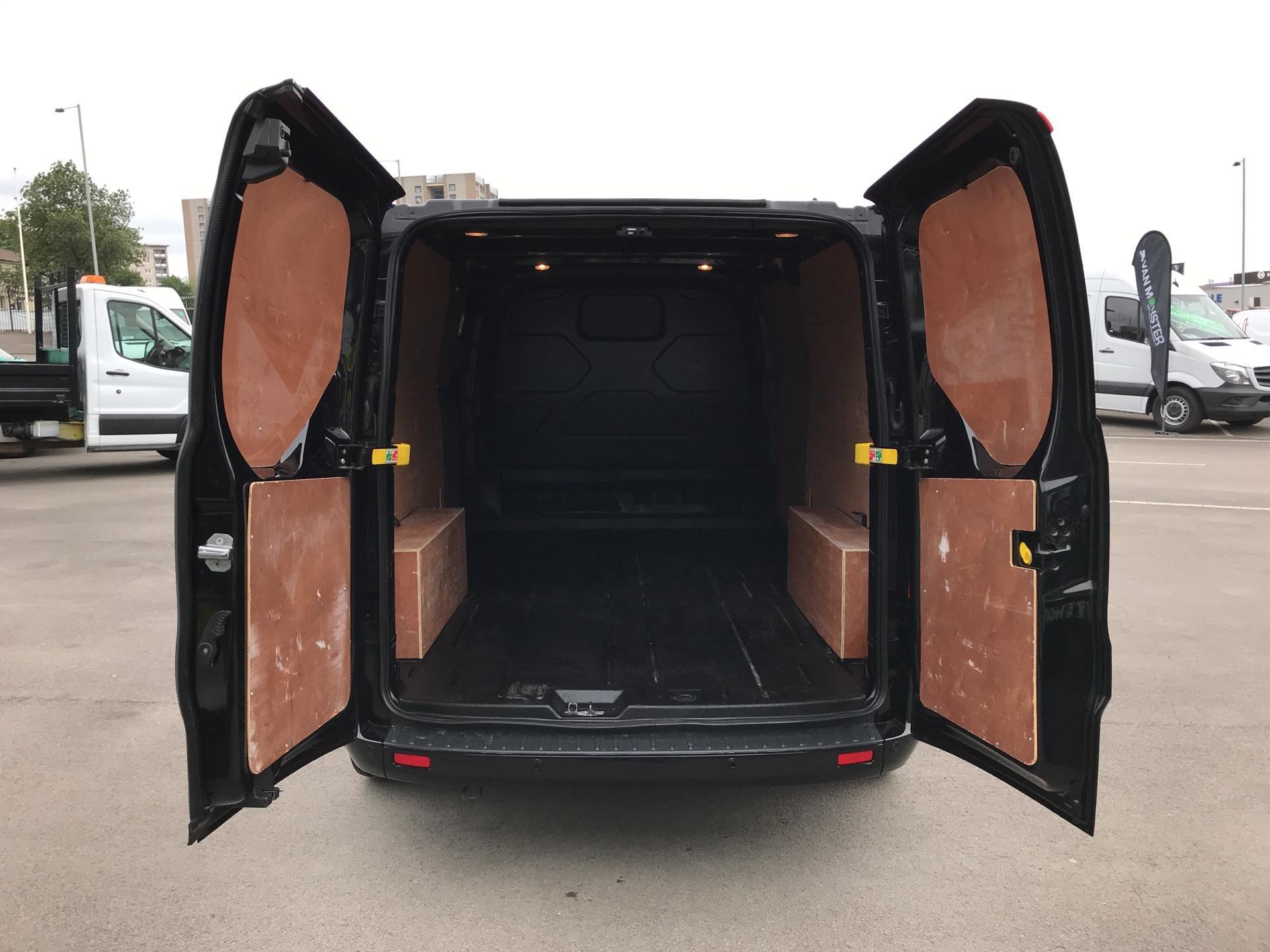 2017 Ford Transit Custom 2.0 Tdci 130Ps Low Roof Limited Van parking sensors  (HJ67XBW) Image 18