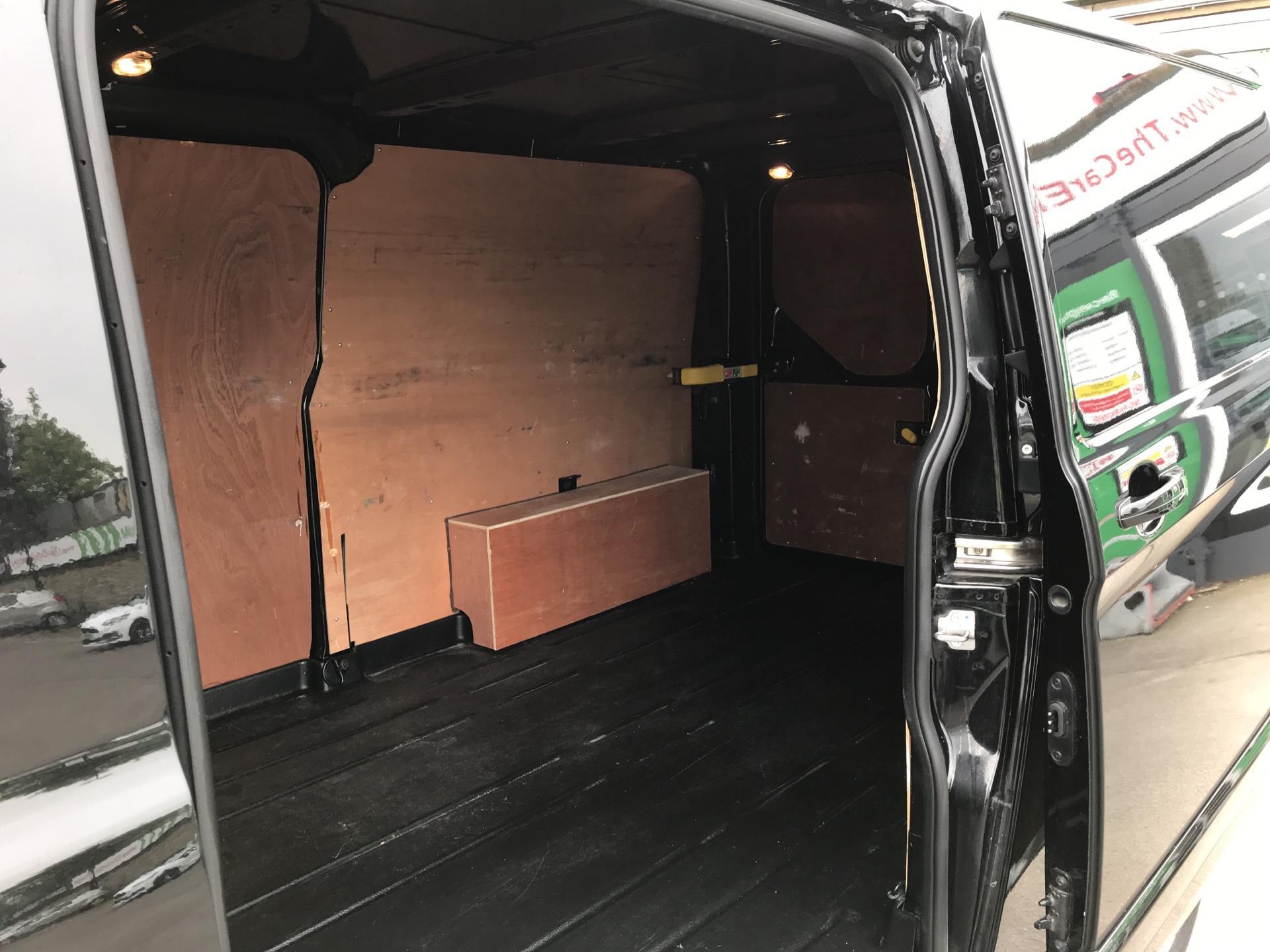 2017 Ford Transit Custom 2.0 Tdci 130Ps Low Roof Limited Van parking sensors  (HJ67XBW) Image 16