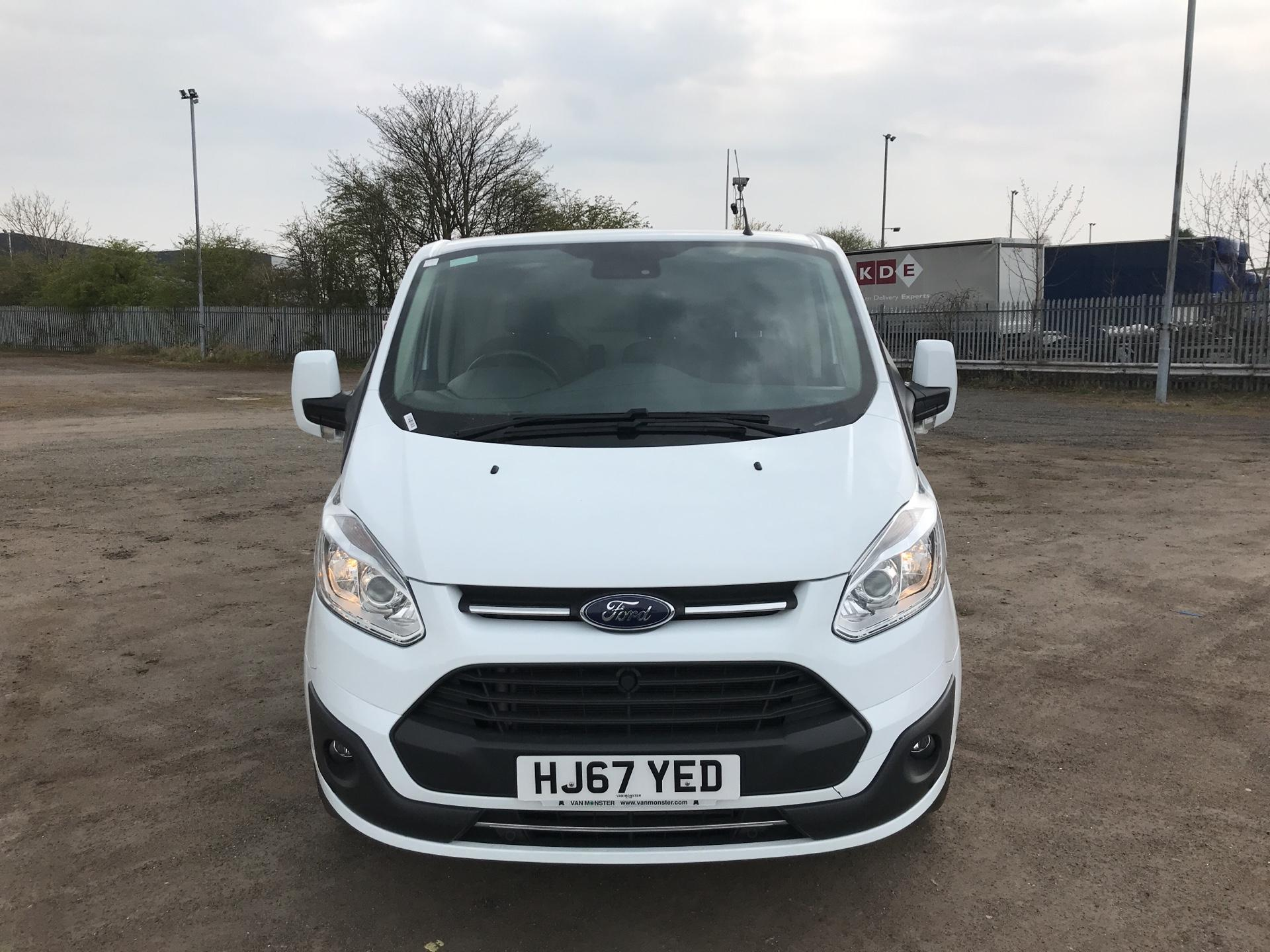 2017 Ford Transit Custom  290 L2 DIESEL FWD 2.0 TDCI 130PS LOW  ROOF LIMITED VAN EURO 6 (HJ67YED) Image 8