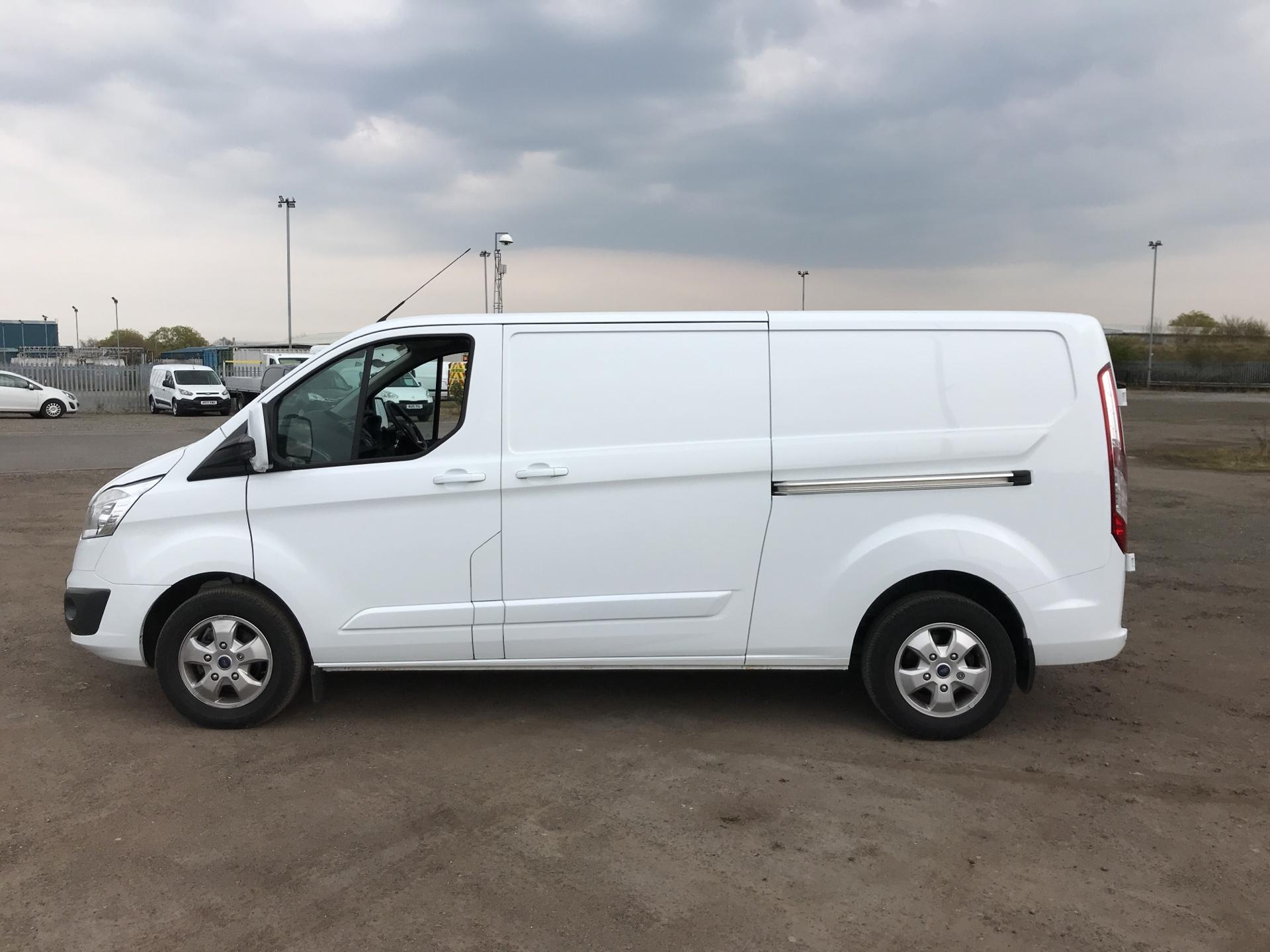 2017 Ford Transit Custom  290 L2 DIESEL FWD 2.0 TDCI 130PS LOW  ROOF LIMITED VAN EURO 6 (HJ67YED) Image 6