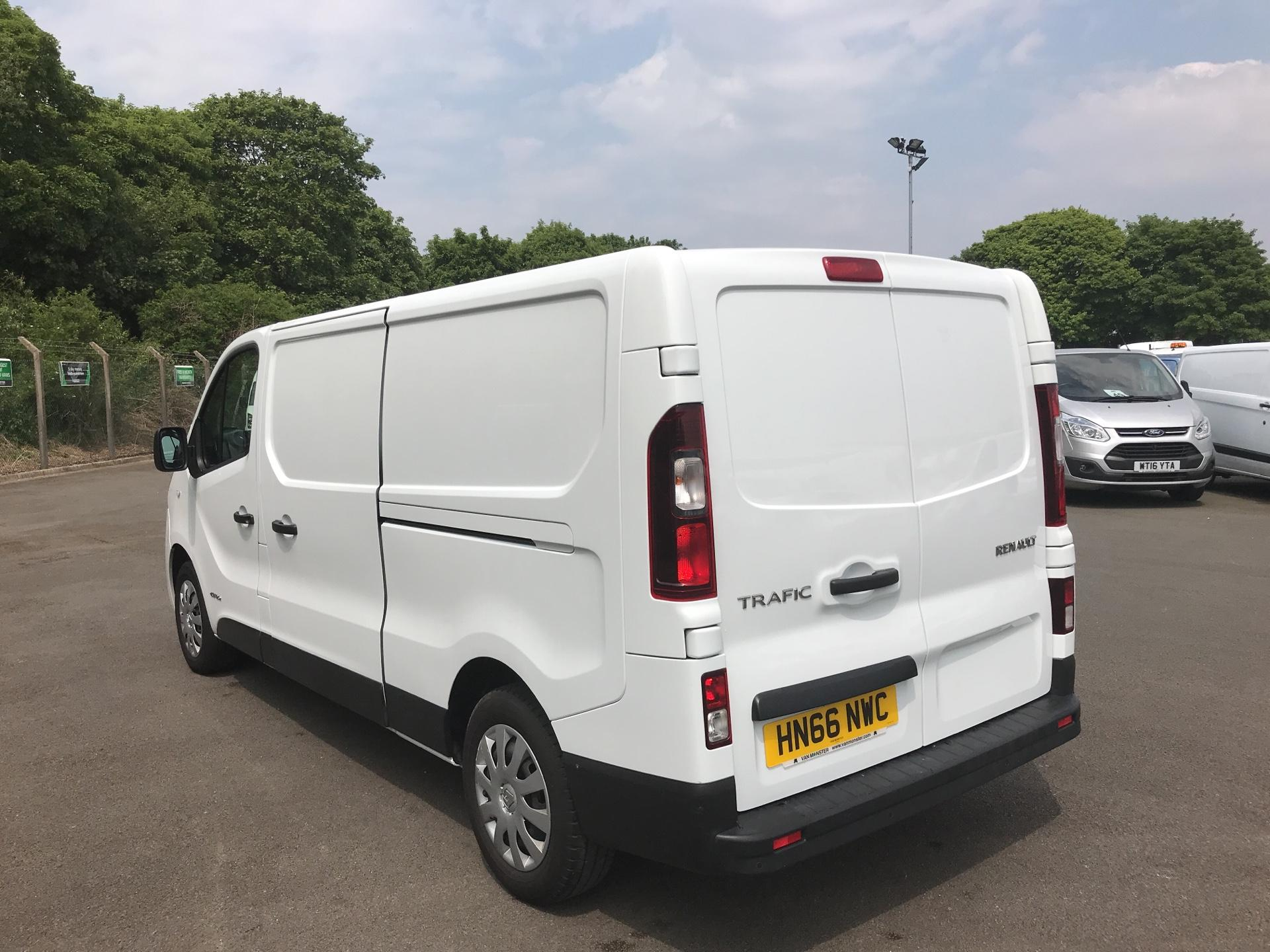 2016 Renault Trafic Ll29 Dci 120 Business+ Van EURO 5 (HN66NWC) Image 5