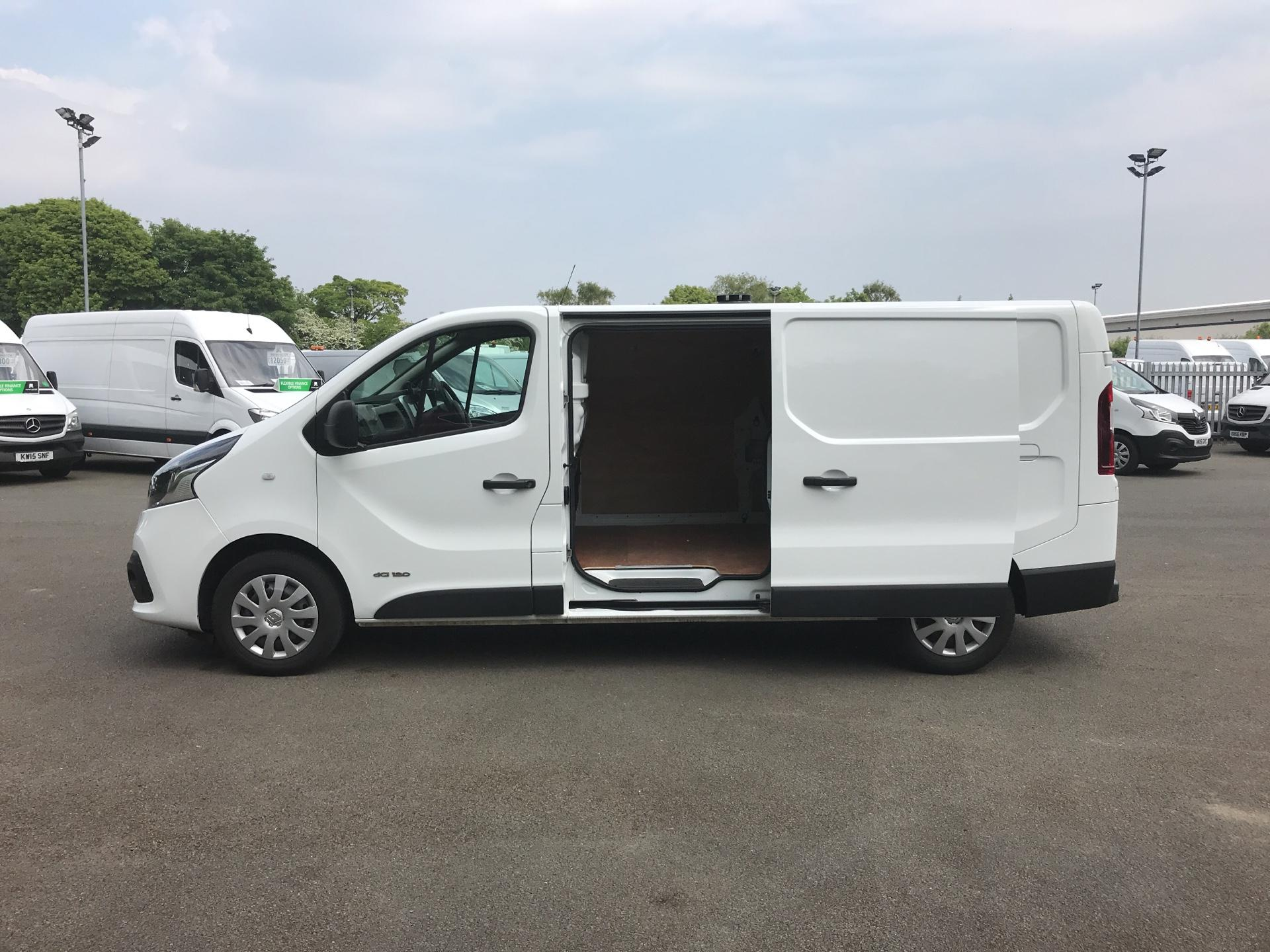 2016 Renault Trafic Ll29 Dci 120 Business+ Van EURO 5 (HN66NWC) Image 18