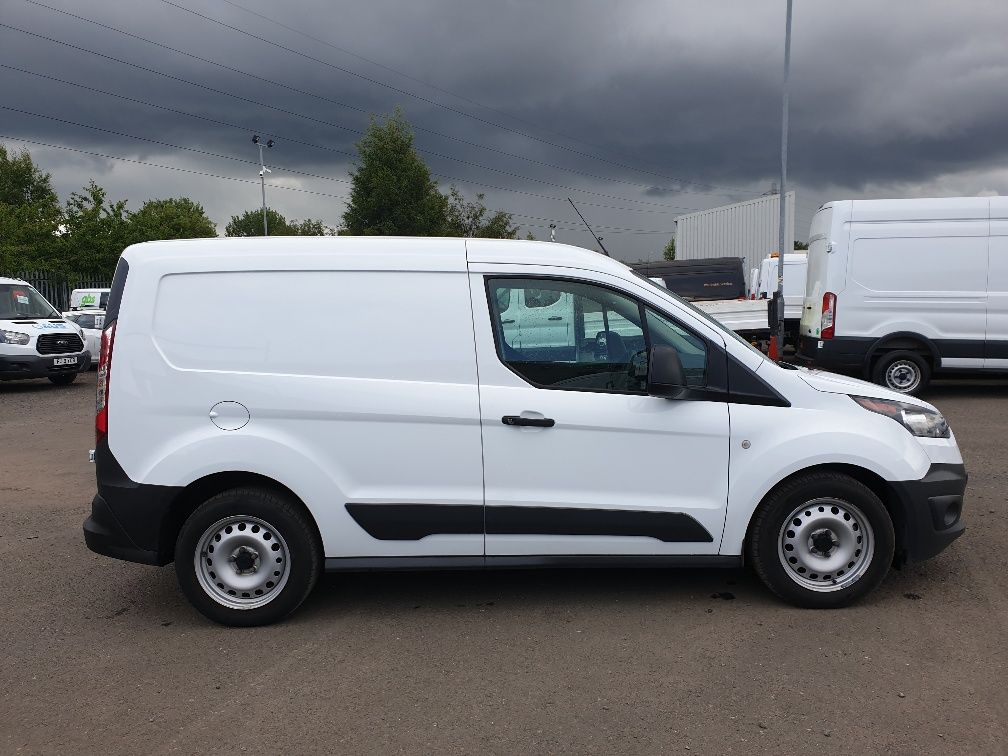 2016 Ford Transit Connect 200 L1 Diesel 1.5 TDCi 75PS Van EURO 6 (HS16FTC) Image 14