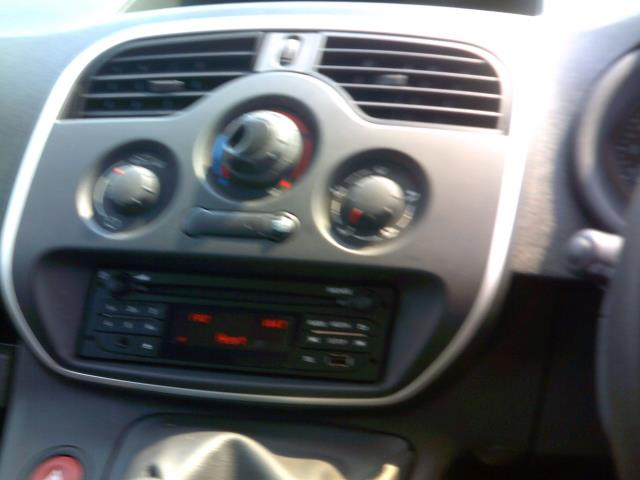 2015 Renault Kangoo Ml19dci 75 Business Van EURO 5 (HT65AHX) Image 20