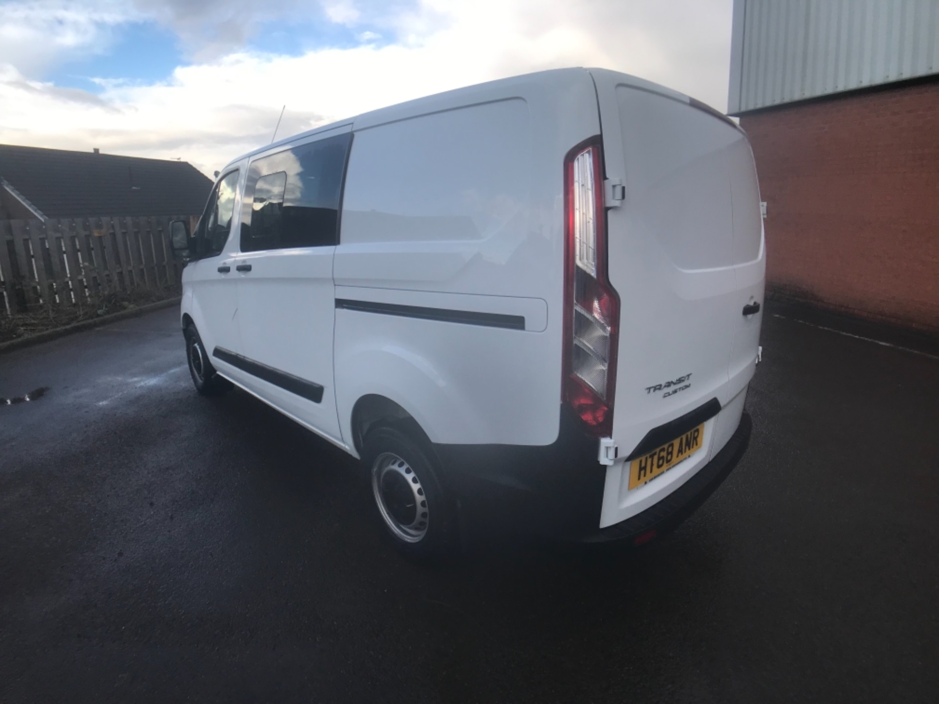 2018 Ford Transit Custom 300 2.0 Tdci 105Ps Low Roof D/Cab Van EURO 6 (HT68ANR) Image 5