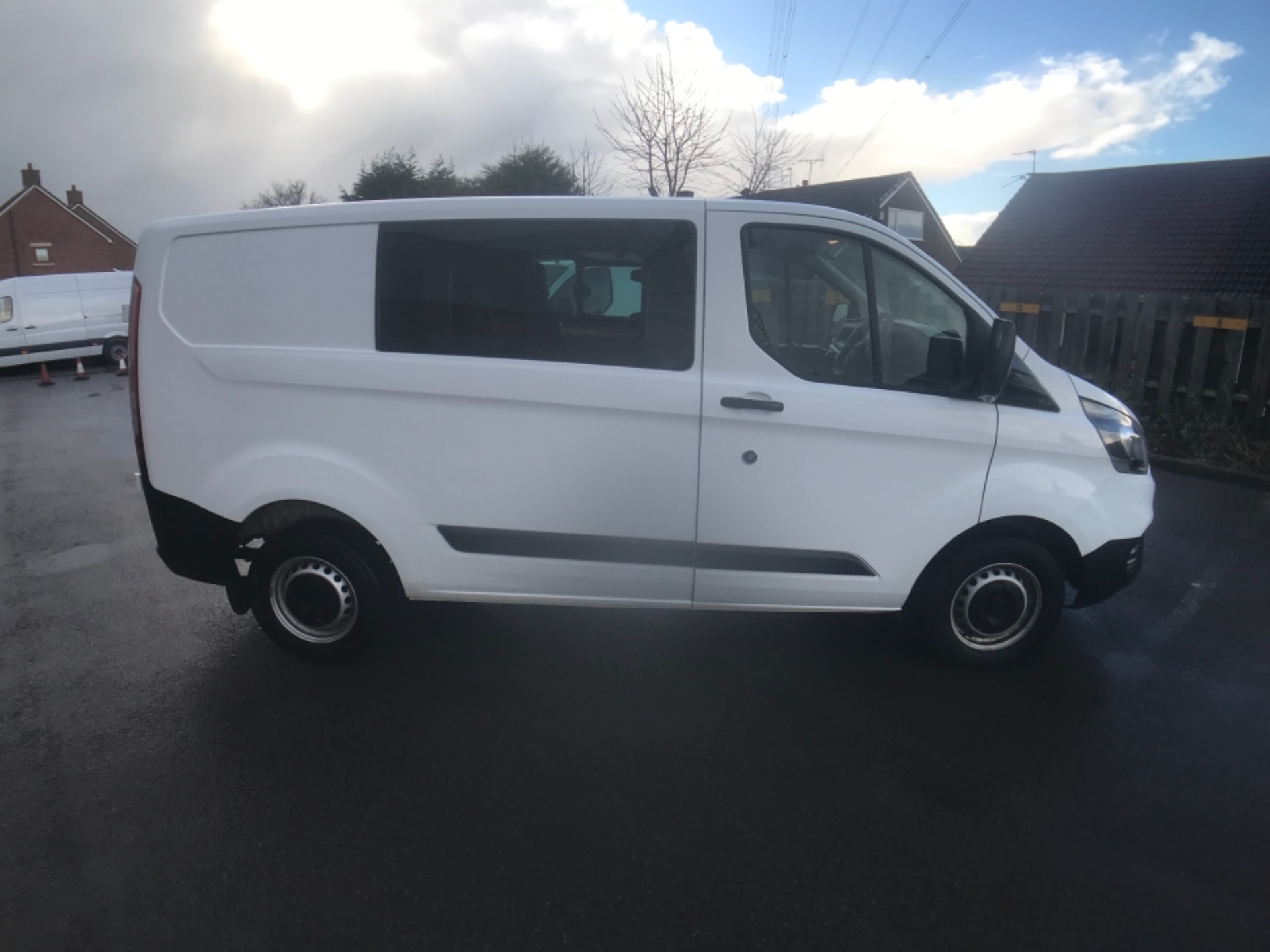 2018 Ford Transit Custom 300 2.0 Tdci 105Ps Low Roof D/Cab Van EURO 6 (HT68ANR) Image 8