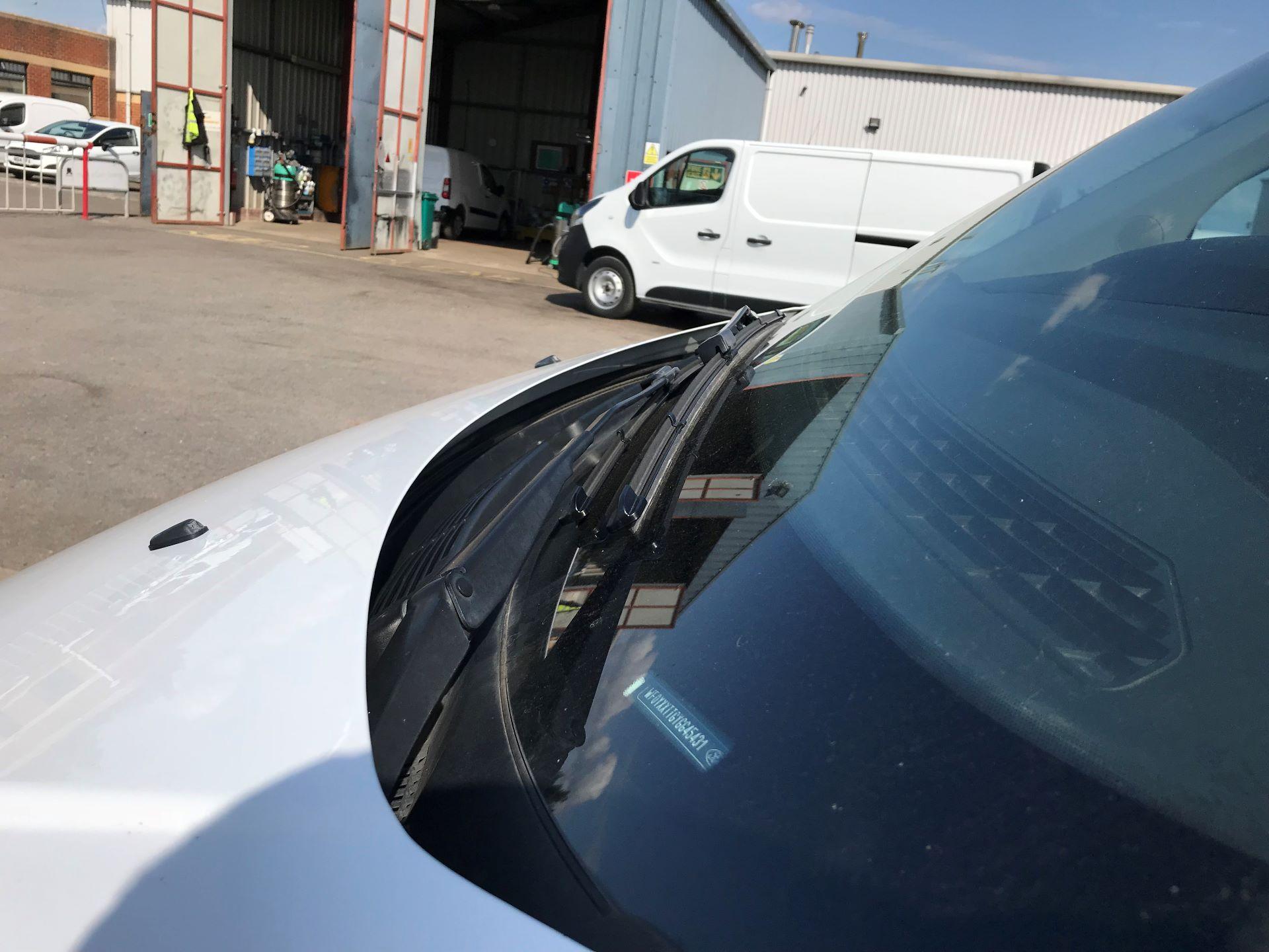 2016 Ford Transit Custom 290 L1 DIESEL FWD 2.2  TDCI 100PS LOW ROOF VAN EURO 5 (HV66LZP) Image 11