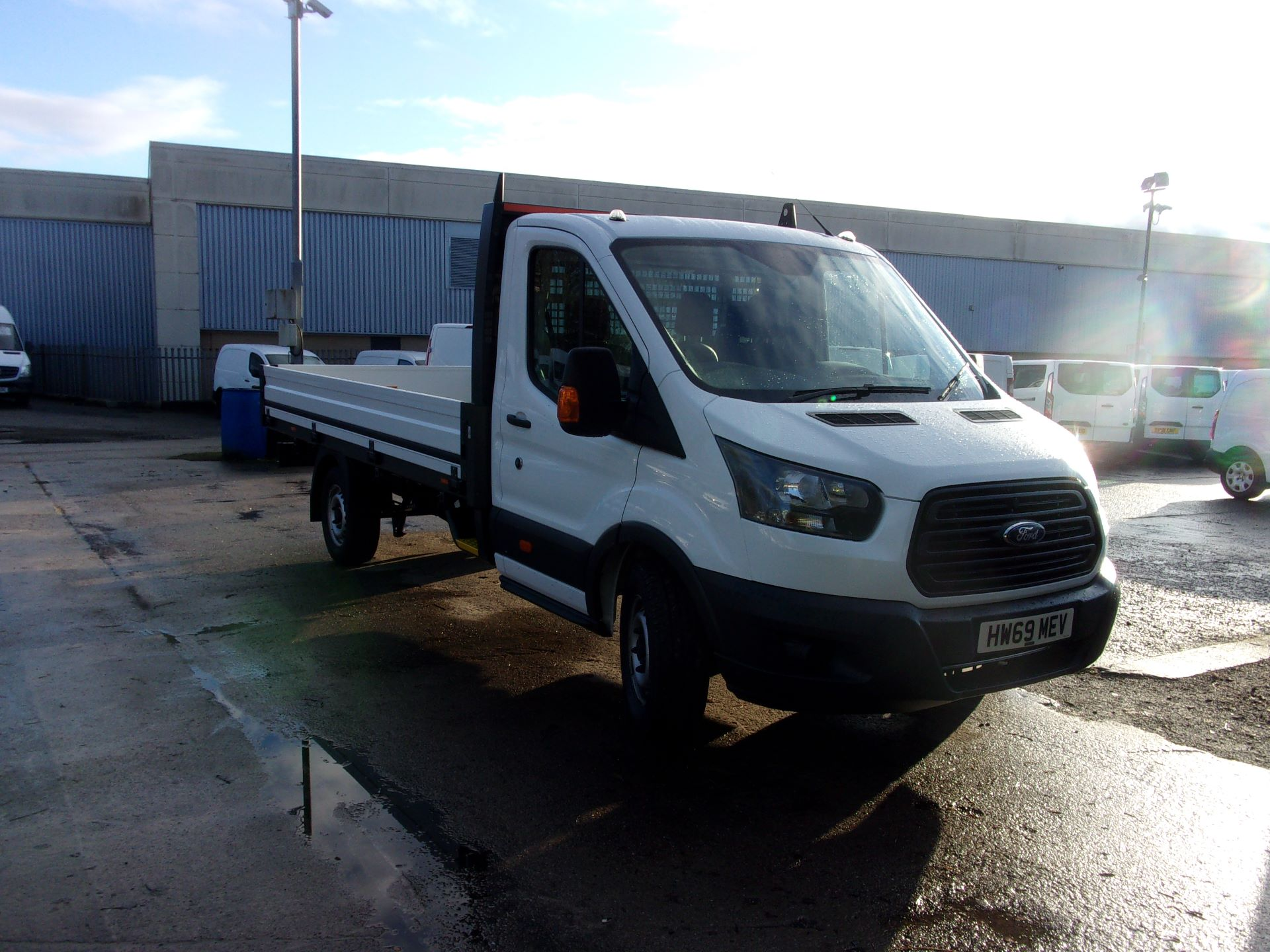 2019 Ford Transit 350 L4 DIESEL FWD 2.0 TDCI 130PS DROPSIDE EURO 6 (HW69MEV) Thumbnail 1