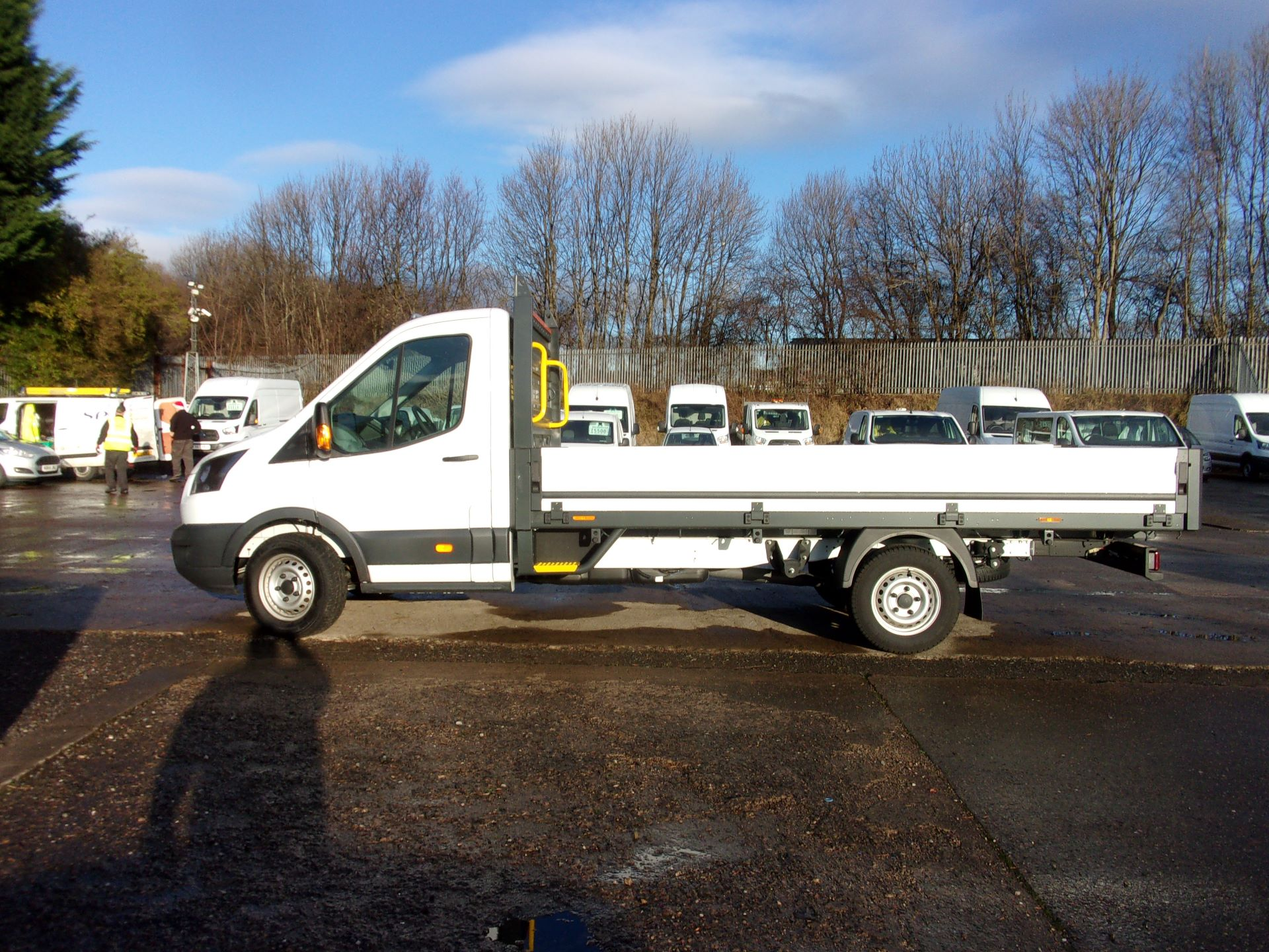 2019 Ford Transit 350 L4 DIESEL FWD 2.0 TDCI 130PS DROPSIDE EURO 6 (HW69MEV) Thumbnail 12