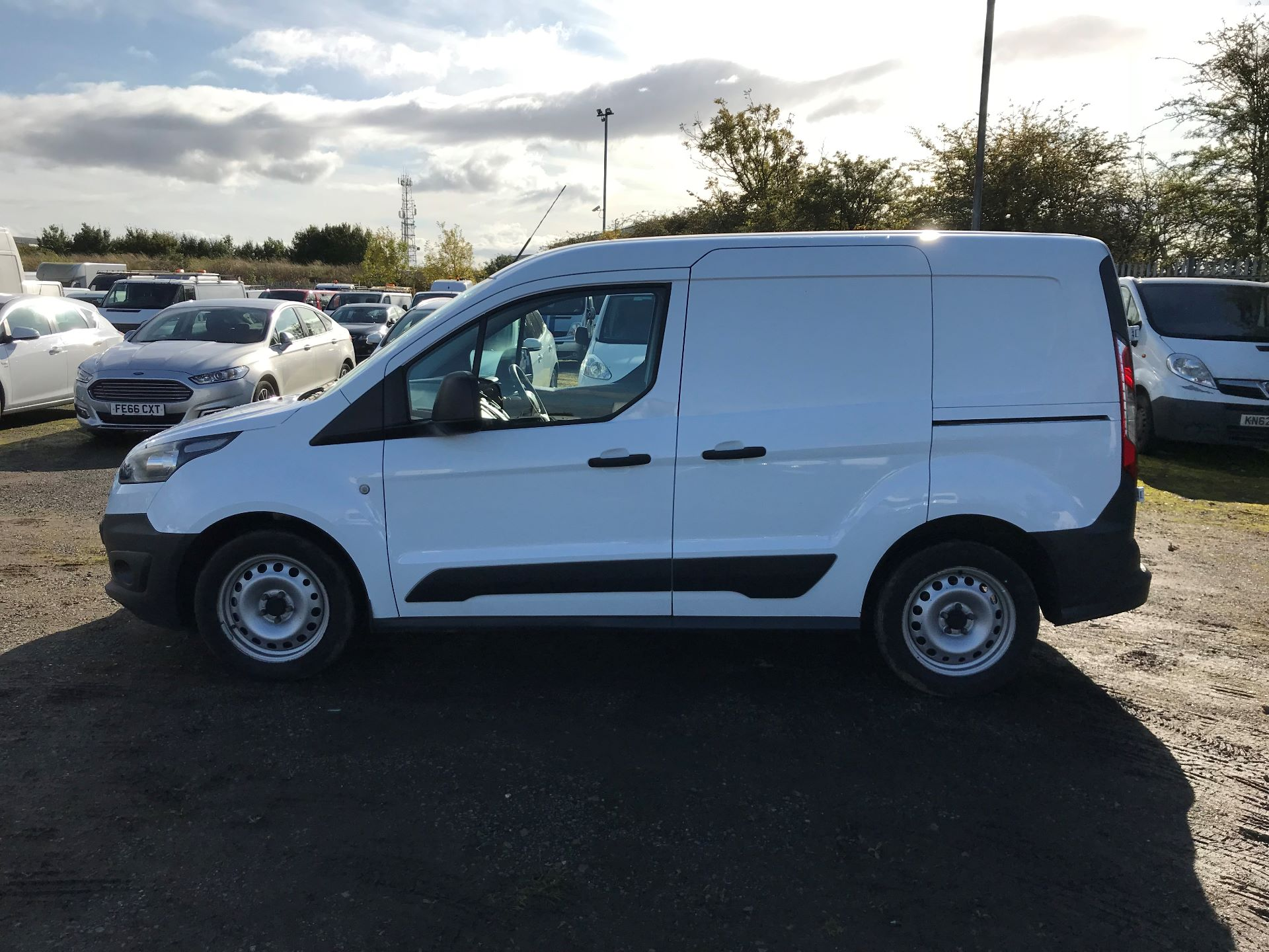 2015 Ford Transit Connect 1.6 Tdci 75Ps Van (HY65FDU) Image 4
