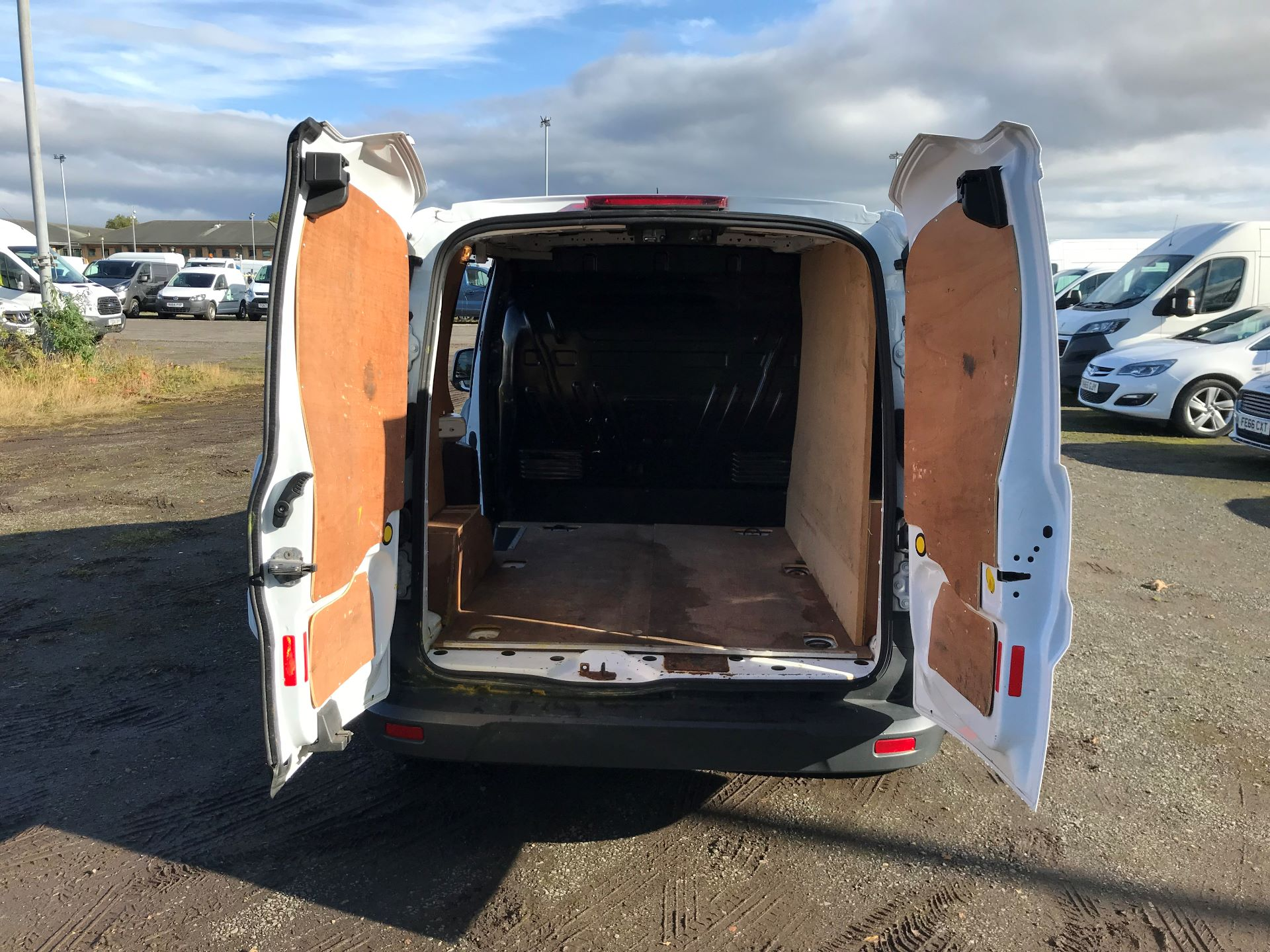 2015 Ford Transit Connect 1.6 Tdci 75Ps Van (HY65FDU) Image 15