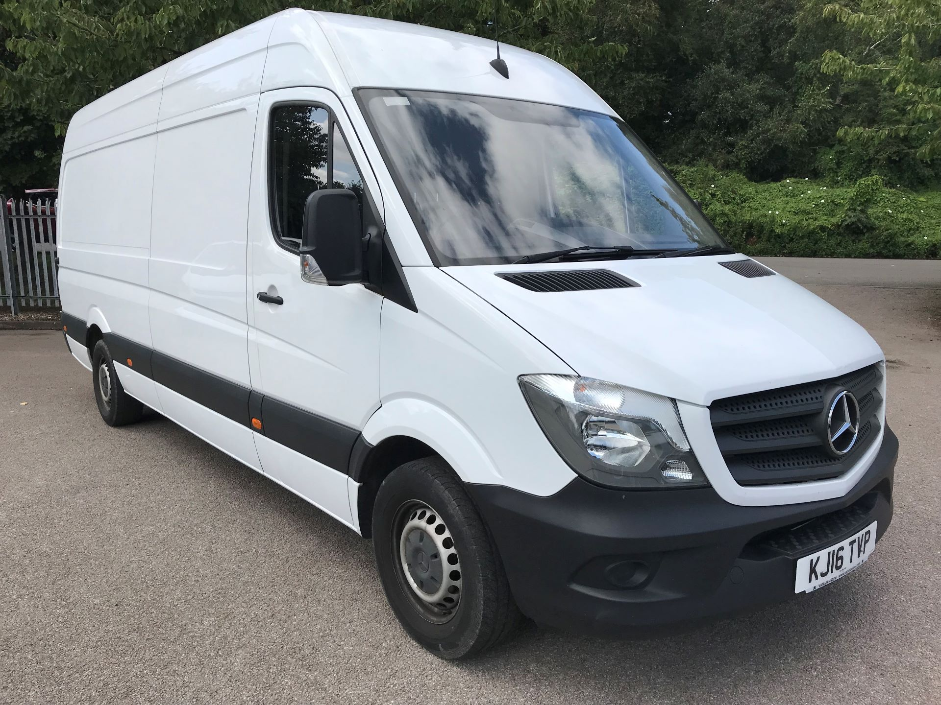 2016 Mercedes-Benz Sprinter 3.5T High Roof Van (KJ16TVP)