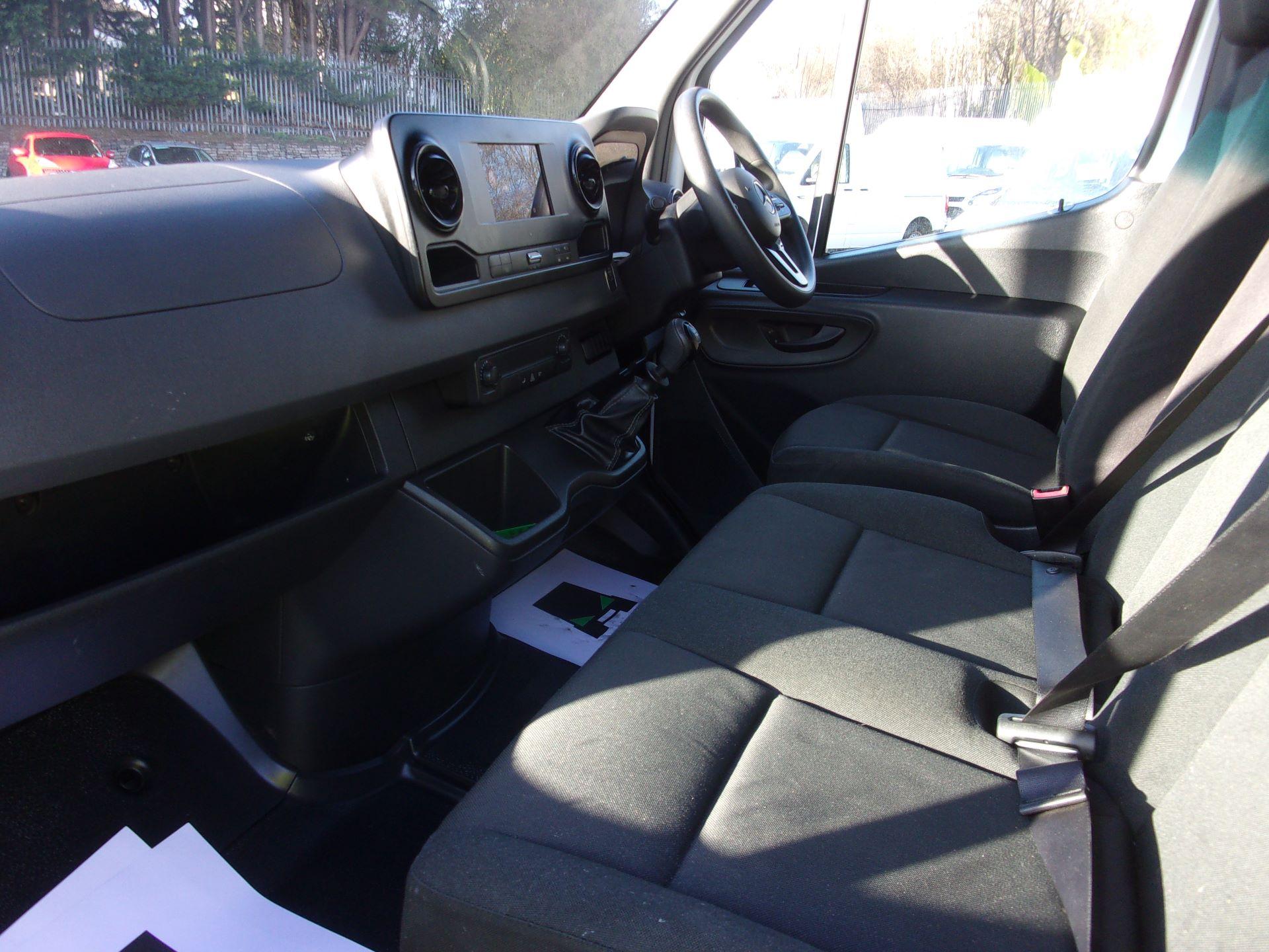 2018 Mercedes-Benz Sprinter 314 CDI L3 DIESEL RWD H2 VAN EURO 6 (KJ18HRN) Image 14