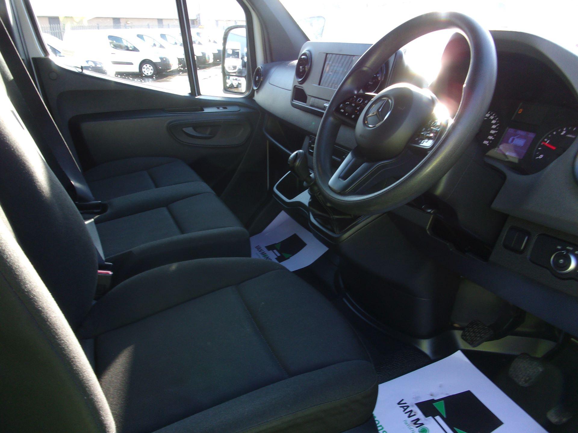 2018 Mercedes-Benz Sprinter 314 CDI L3 DIESEL RWD H2 VAN EURO 6 (KJ18HRN) Image 2