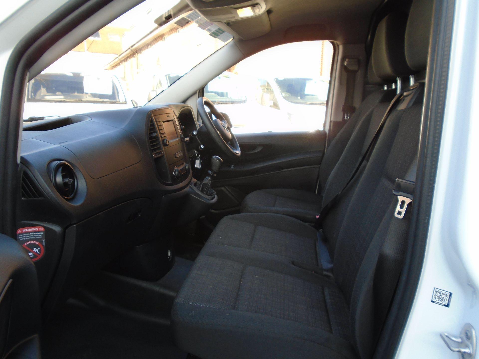 2017 Mercedes-Benz Vito 111Cdi Van (KK17BJX) Image 20