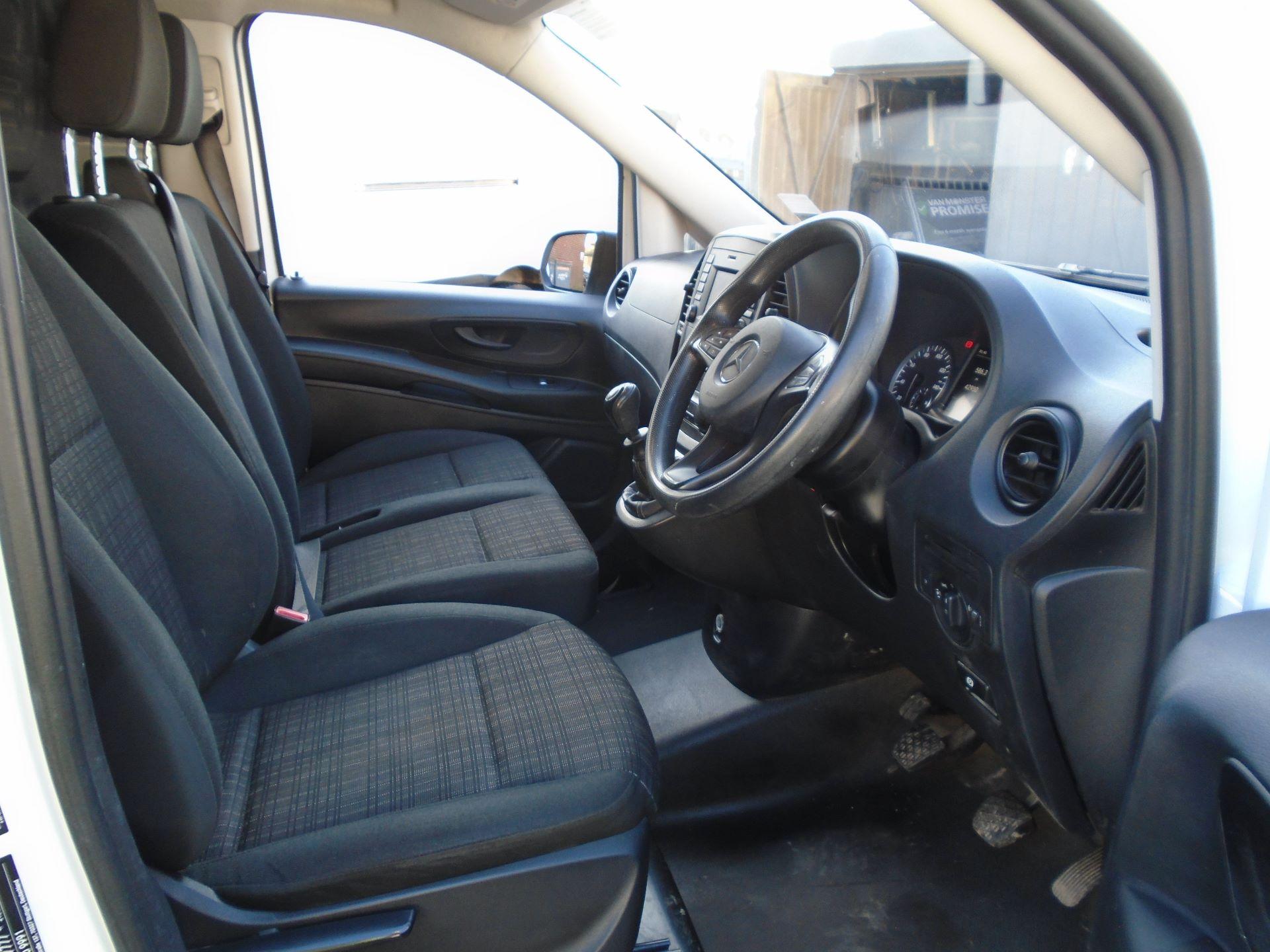 2017 Mercedes-Benz Vito 111Cdi Van (KK17BJX) Image 12